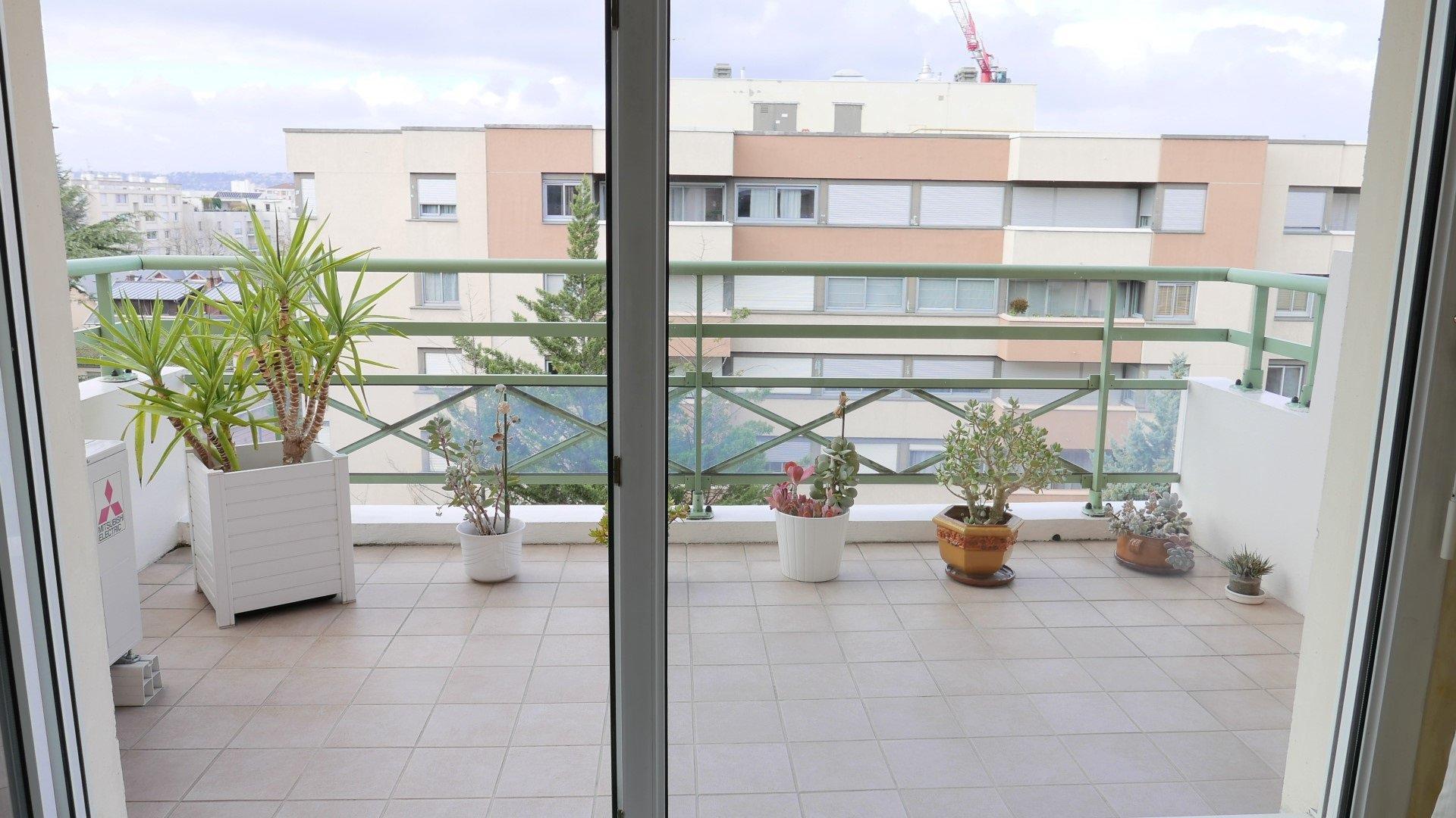 Achat Appartement Surface de 75.2 m²/ Total carrez : 66.4 m², 3 pièces, Lyon 3ème (69003)