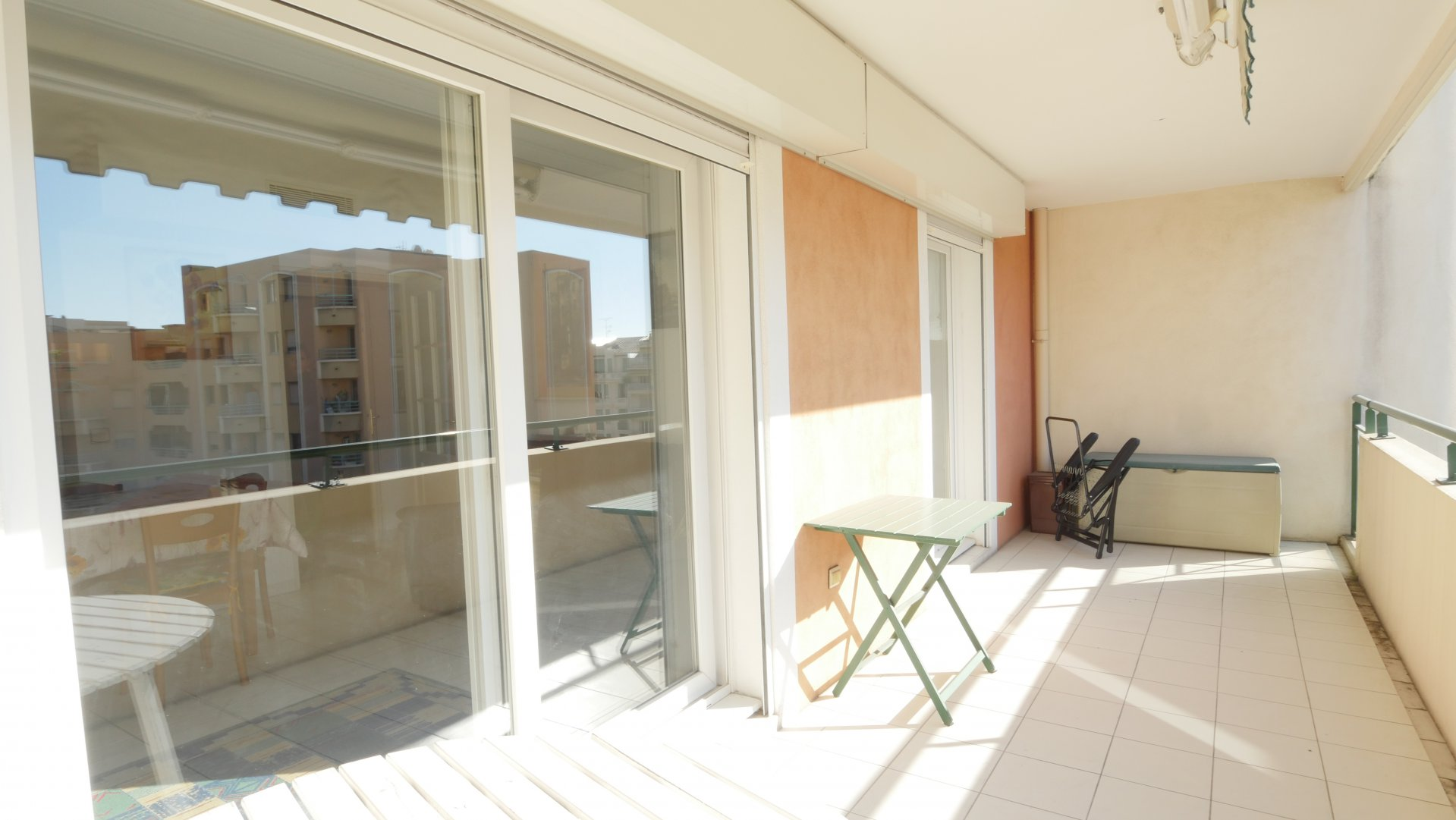 RUE DE FRANCE  , one bedroom with terrasse