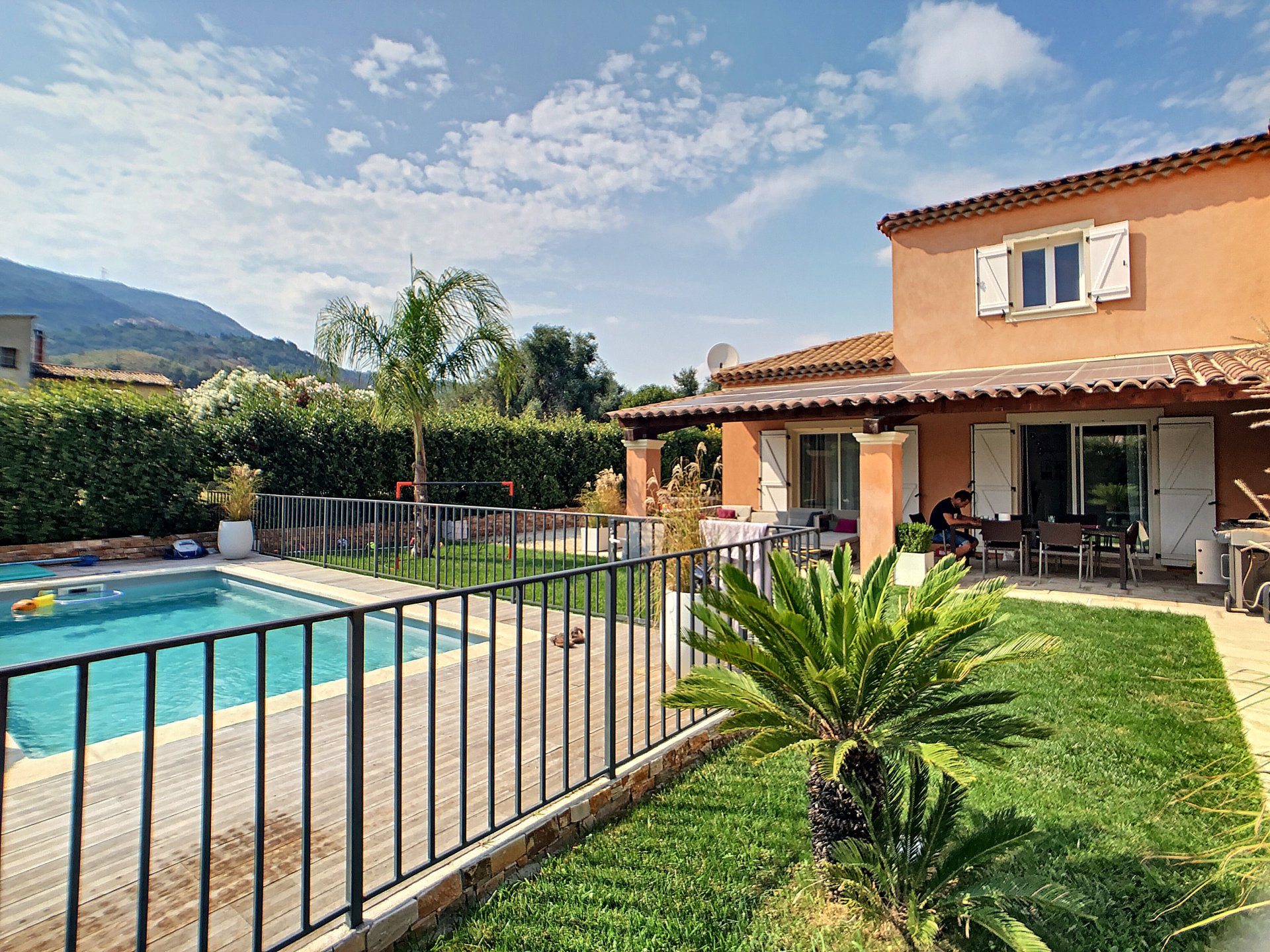 Carros (06510) - Les Plans - Villa 7 pièces - 6 chambres - piscine