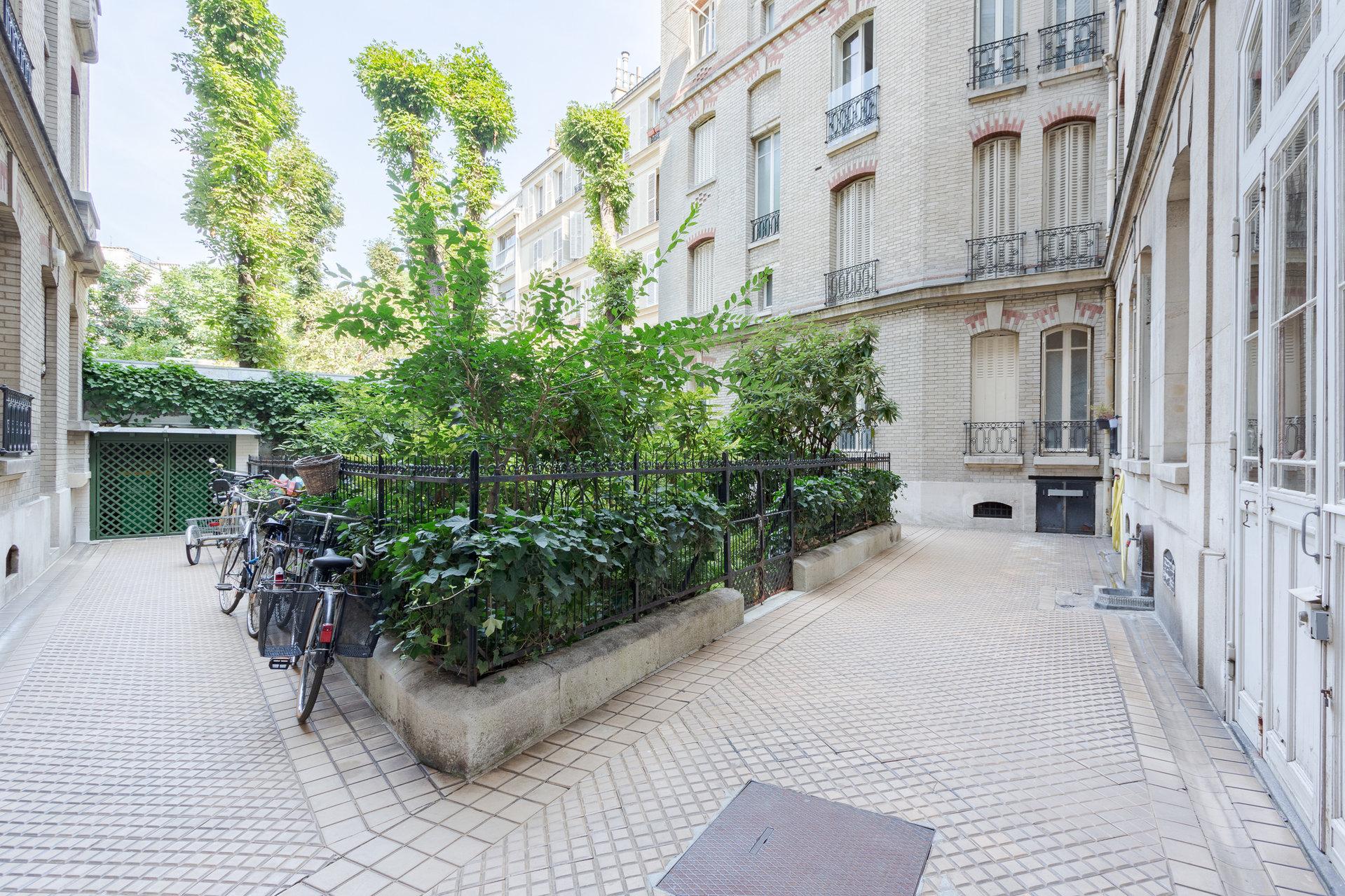 Paris - VI ème - NOTRE DAME DES CHAMPS - FONTAINE DES QUATRE-PARTIES-DU-MONDE - M° Vavin / Raspail / Rer  Port Royal