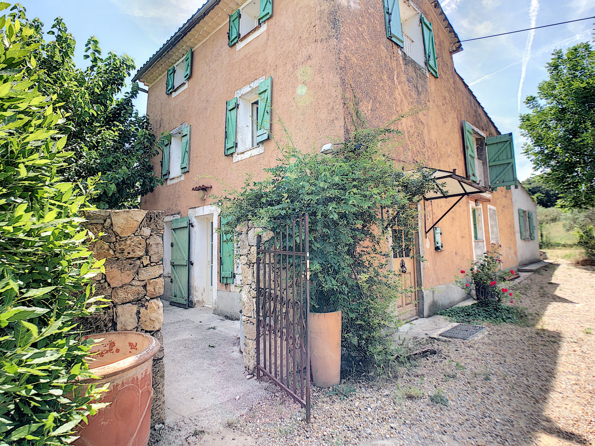 Old renovated property on 9400m2