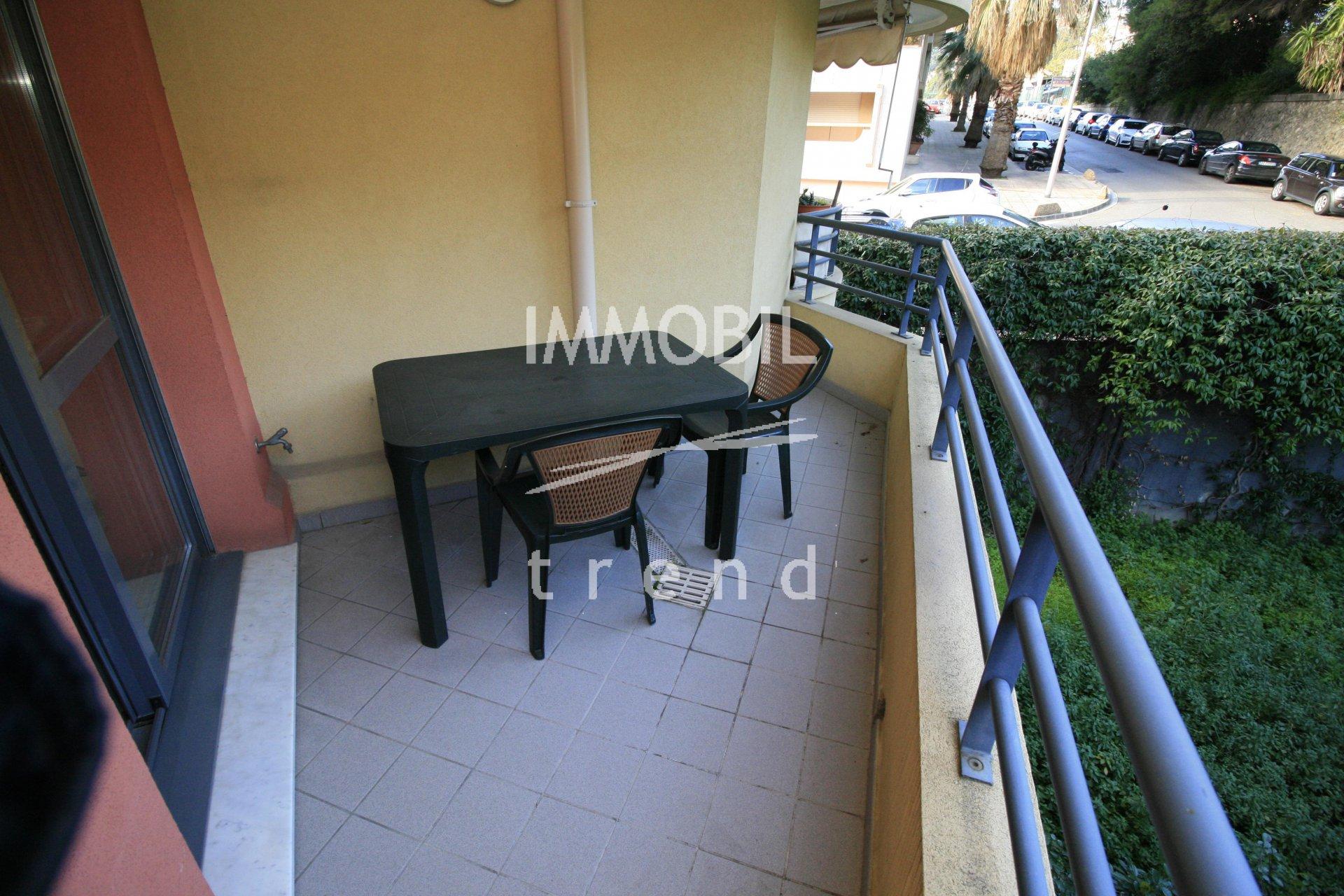 EXCLUSIVITE Menton Garavan - 2 pièces avec terrasse dans un immeuble récent.
