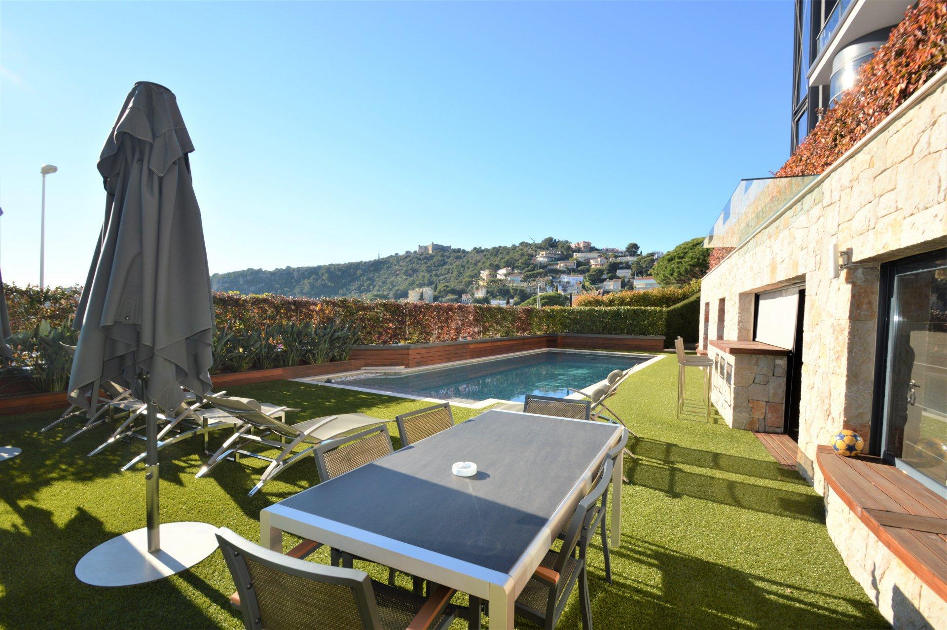 Villefranche sur mer, villa moderne, 5 chambres, vue mer, piscine