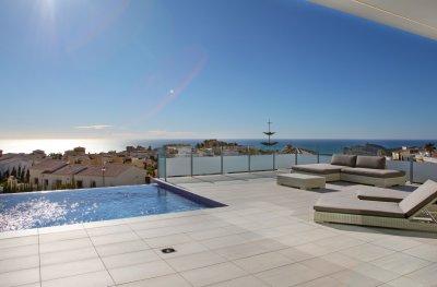 Une villa moderne de nouvelle construction à Cumbre del Sol