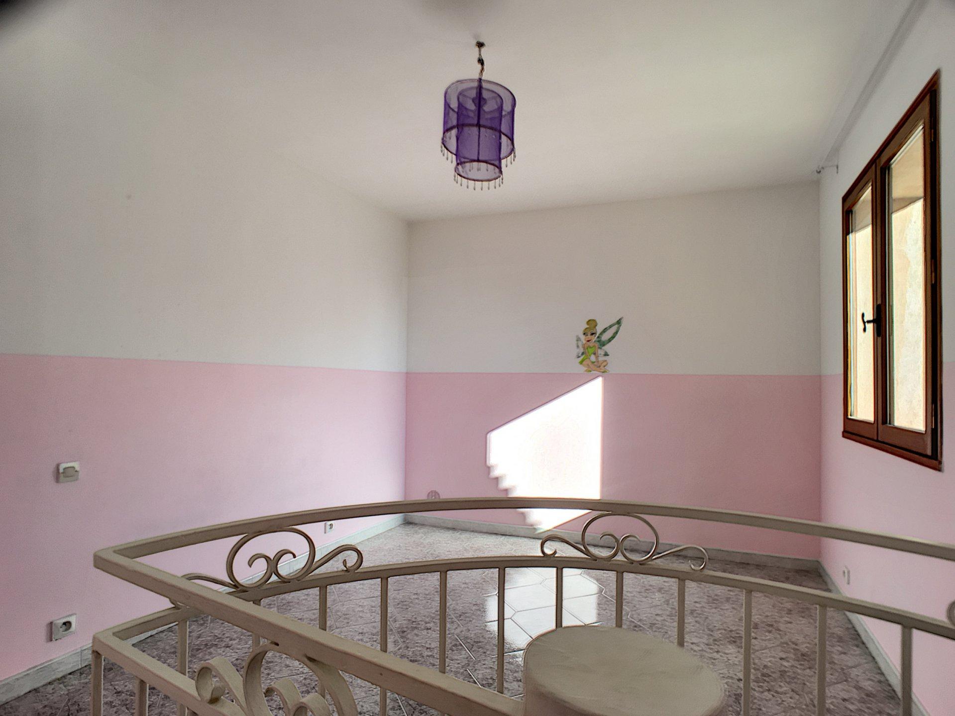 Peymeinade, Villa 7P au calme absolu dans lotissement fermé