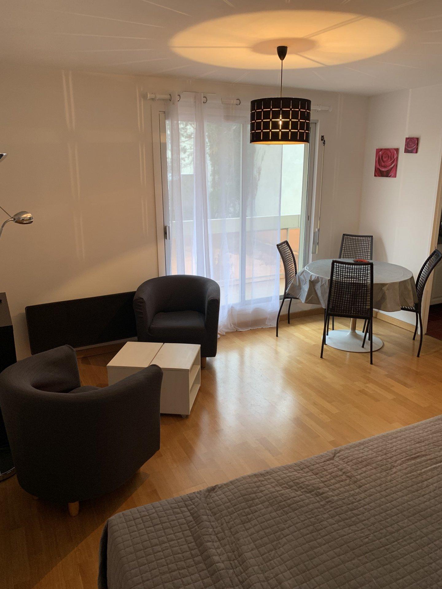 Studio à Louer - BOULOGNE BILLANCOURT