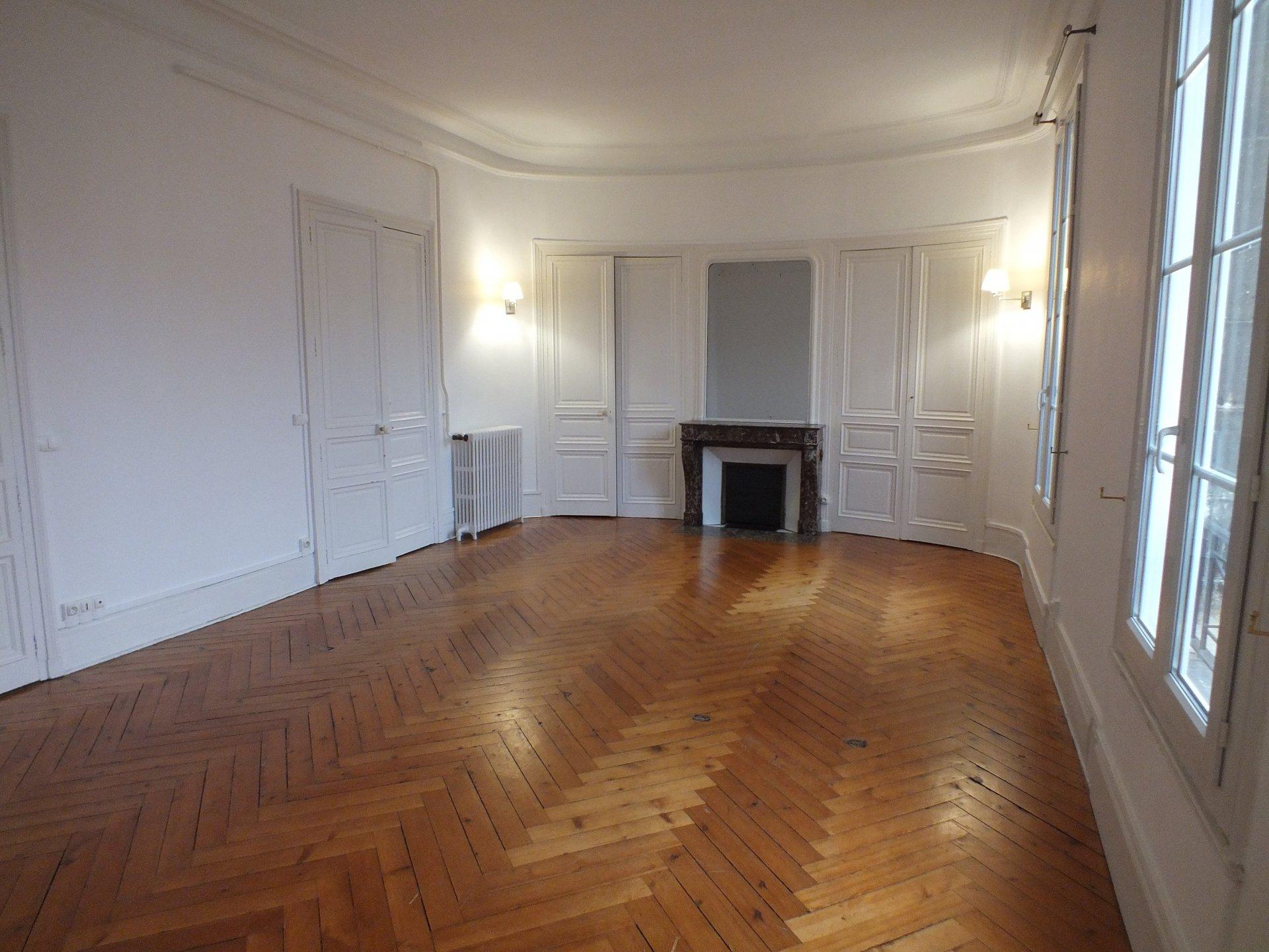 Magnifique T4 Haussmannien- 118m2 - ROUEN GARE