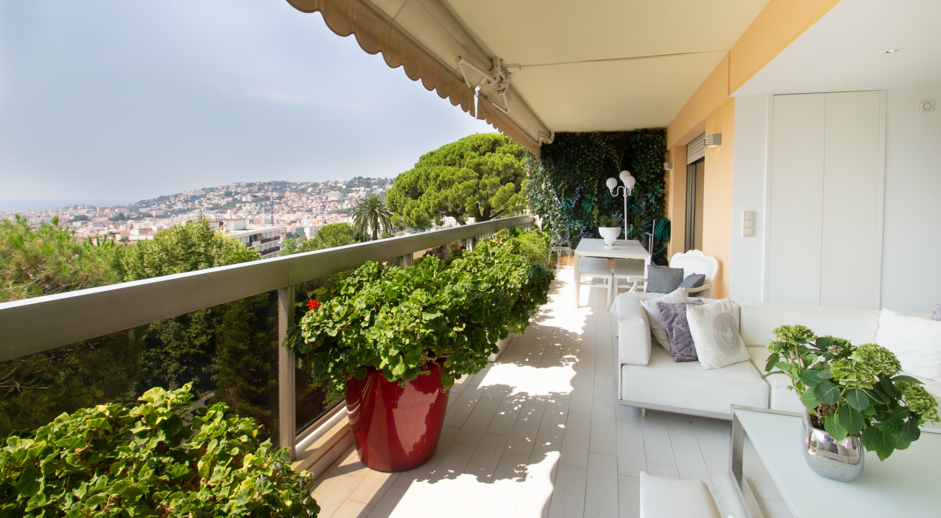 appartement 92m2 grand luxe, terrasse.