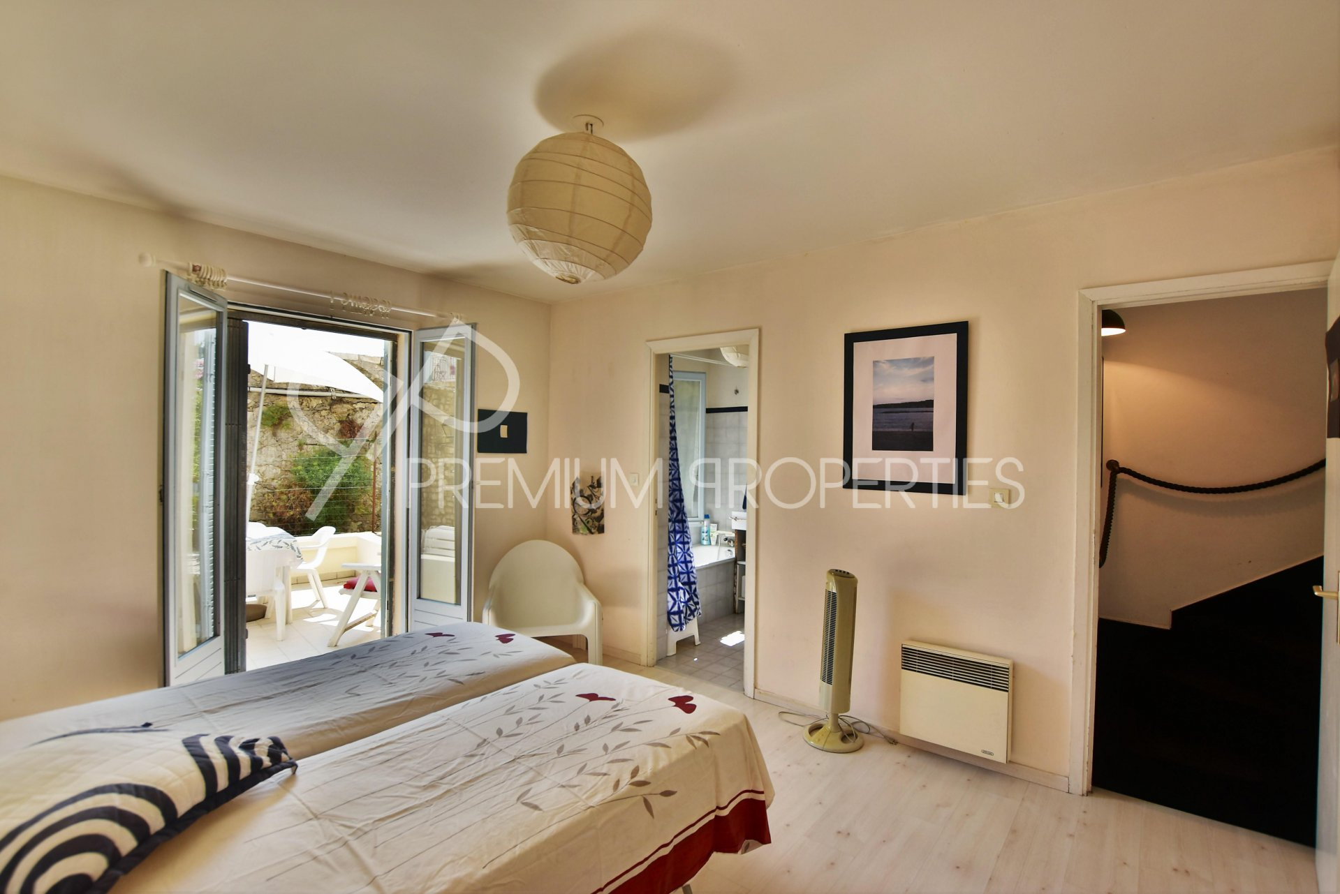 ANTIBES REMPARTS - DUPLEX WITH SEA VIEW AND TERRACE