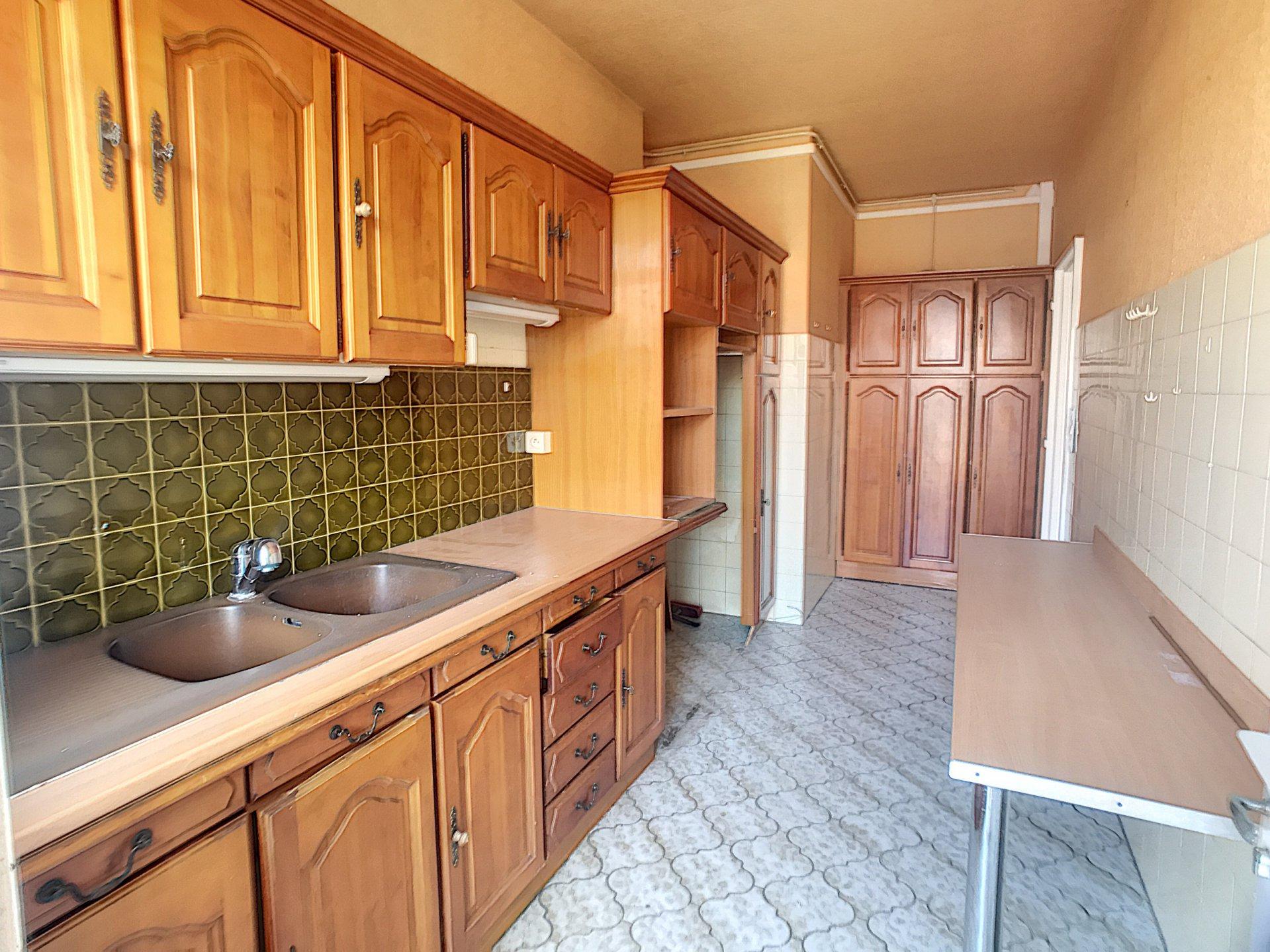 VENTE Appartement 2P 62M2 Nice Carré d'Or Terrasse Vue Balcon