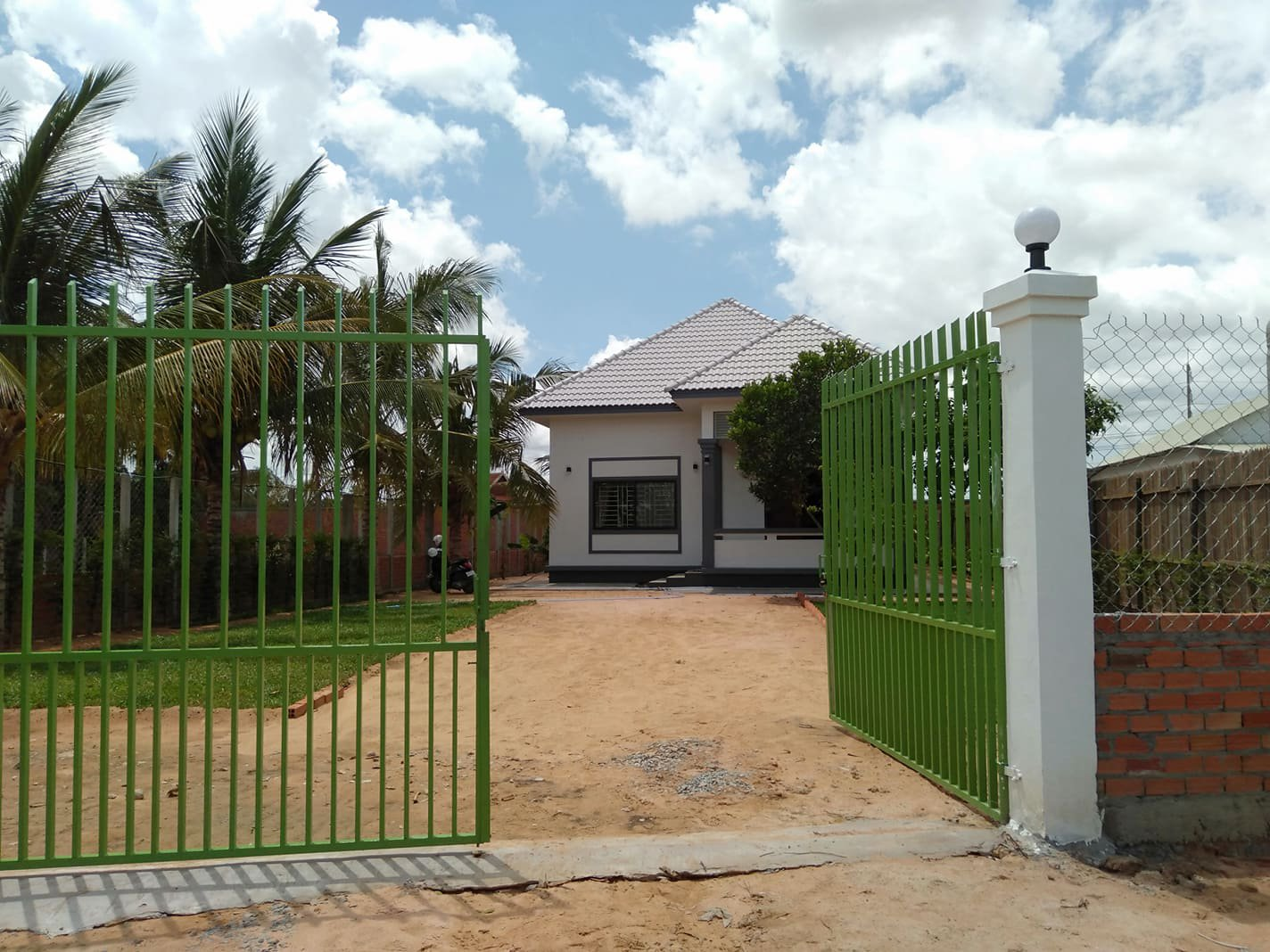 2 bedrooms house for rent