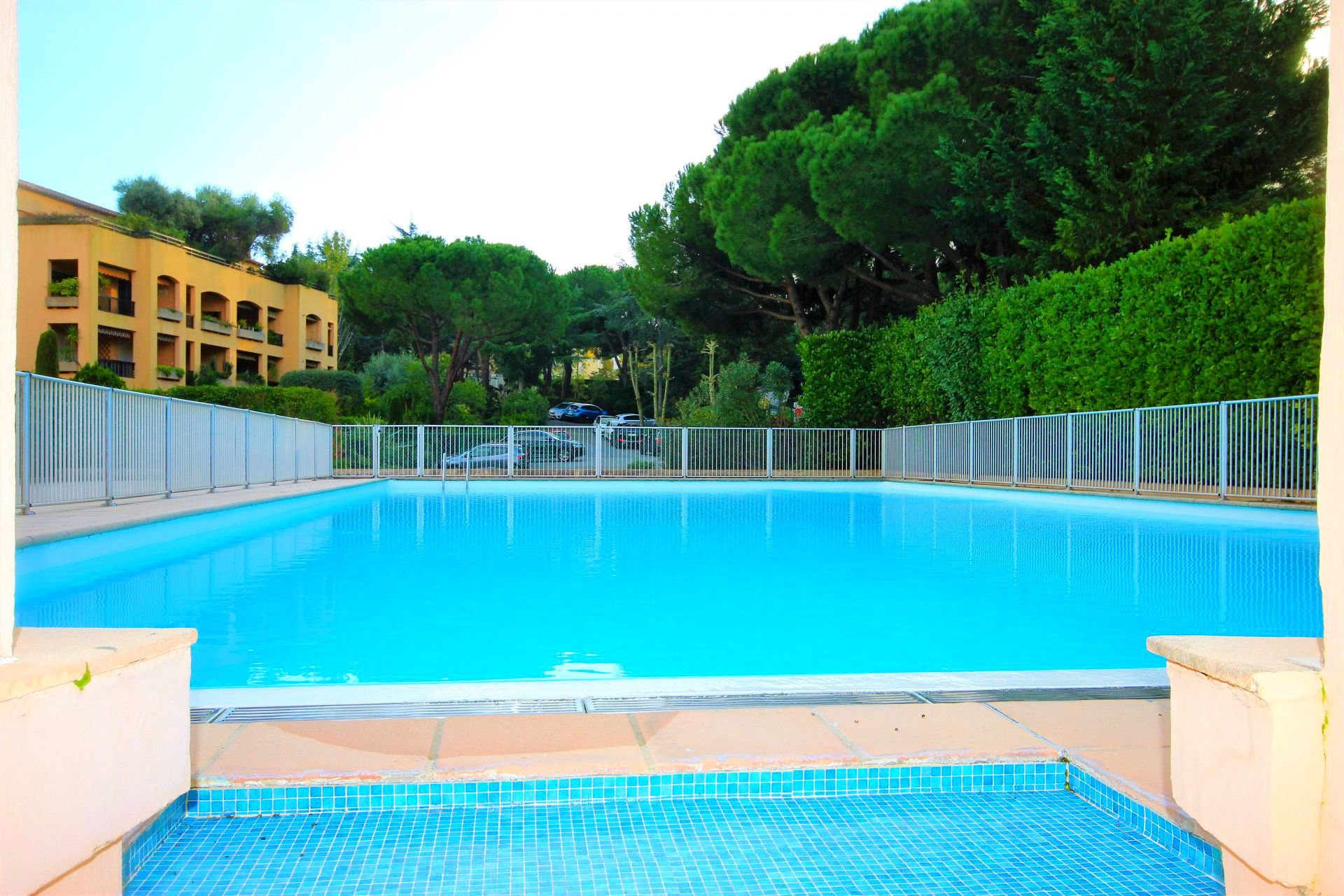 CANNES Sale 3 ROOMS on the top floor, swimming pool, tennis