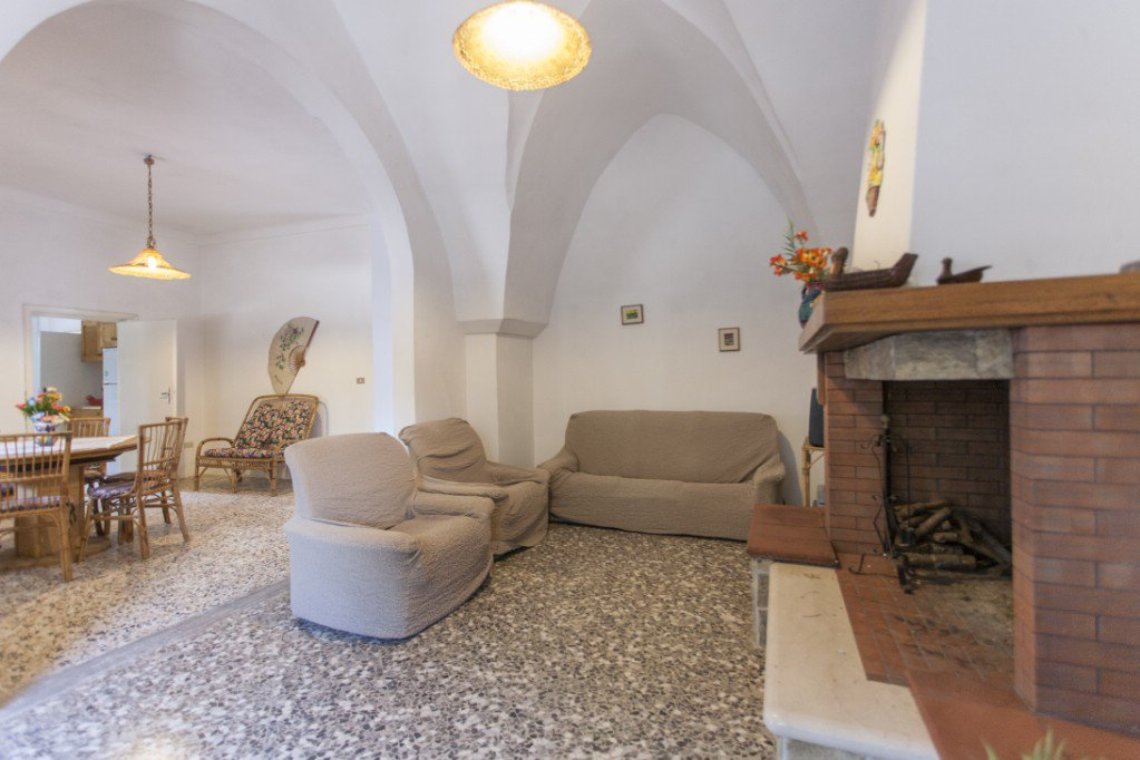 Villa for sale in Oria, 2 beds, garage and garden