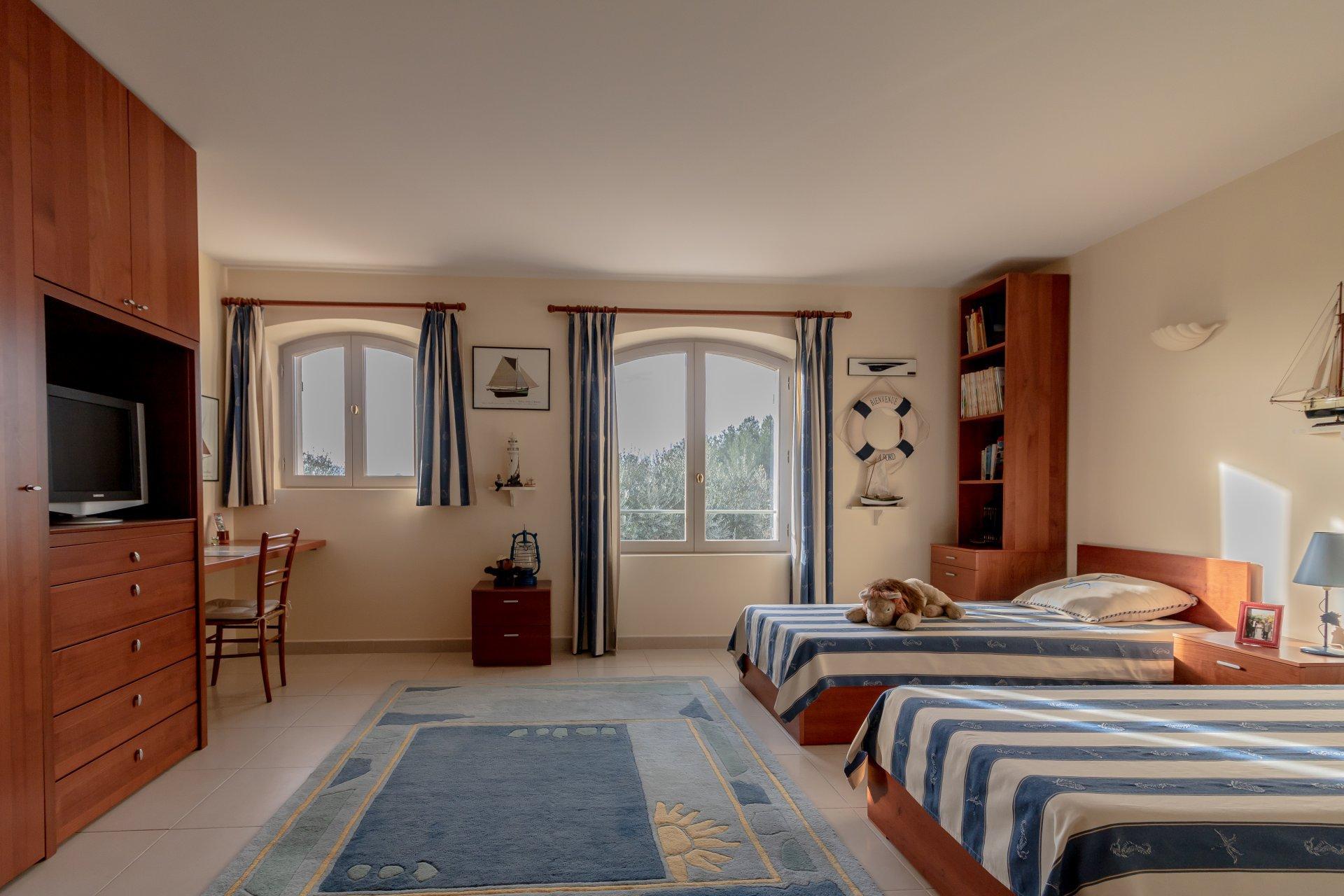 à 45 min de Cannes, 2 villas neuves vue panoramique