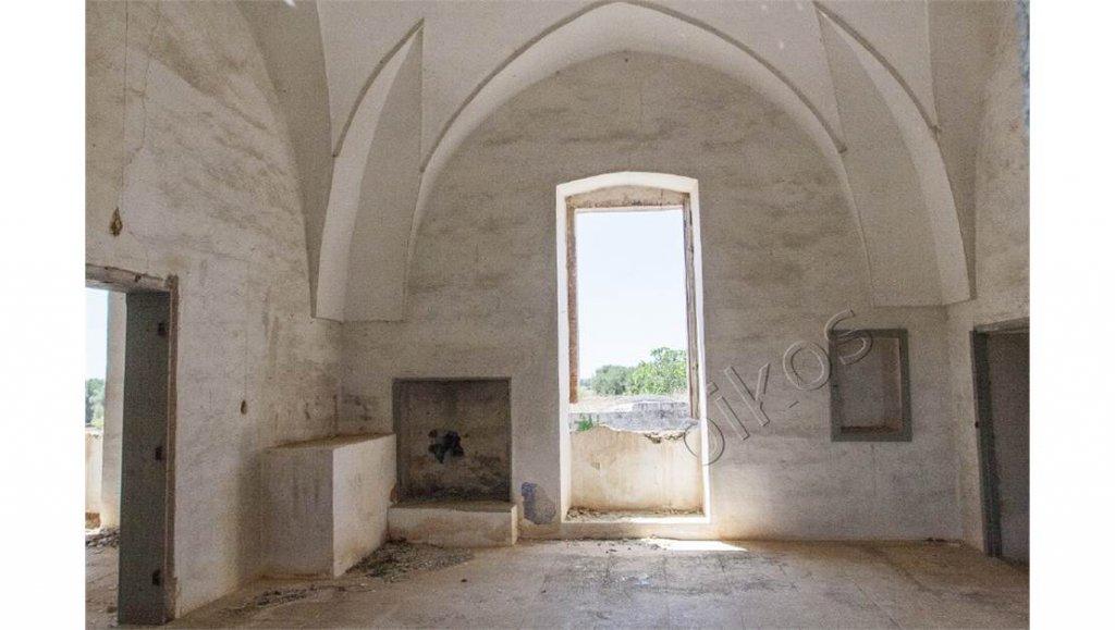 Vendita Cascina - Oria - Italia