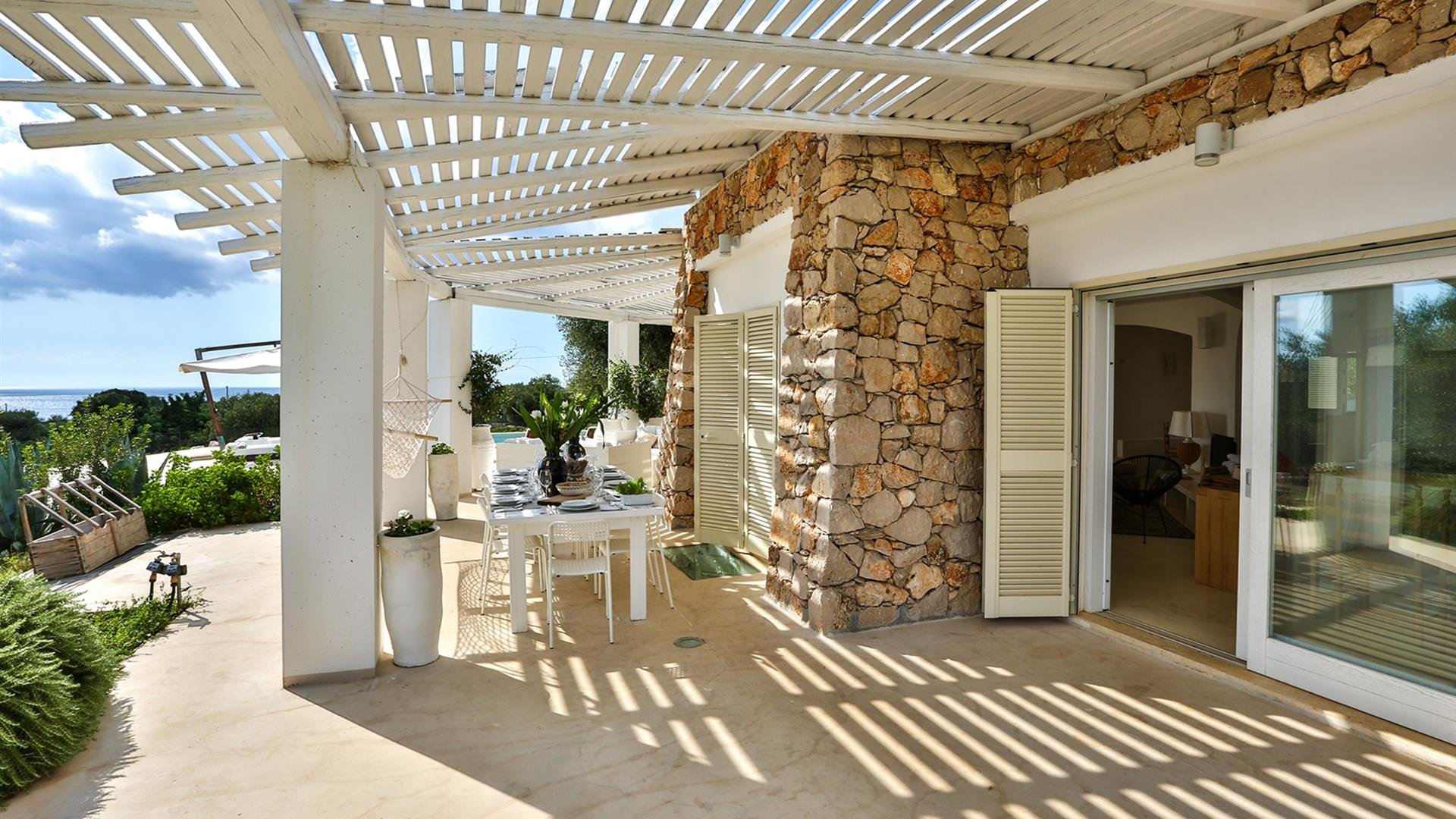 4 bedrooms villa with sea view and private garden