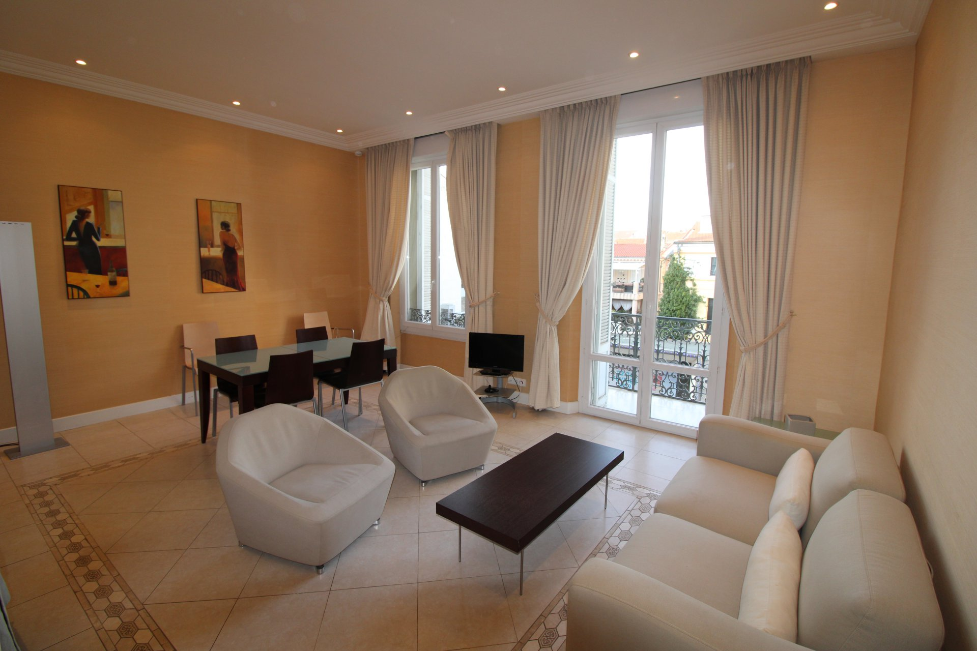 Location appartement centre Cannes, proche Croisette et Palais des congrès