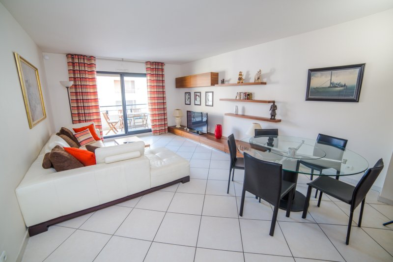Rental apartment Cannes center next to Croisette and convention center