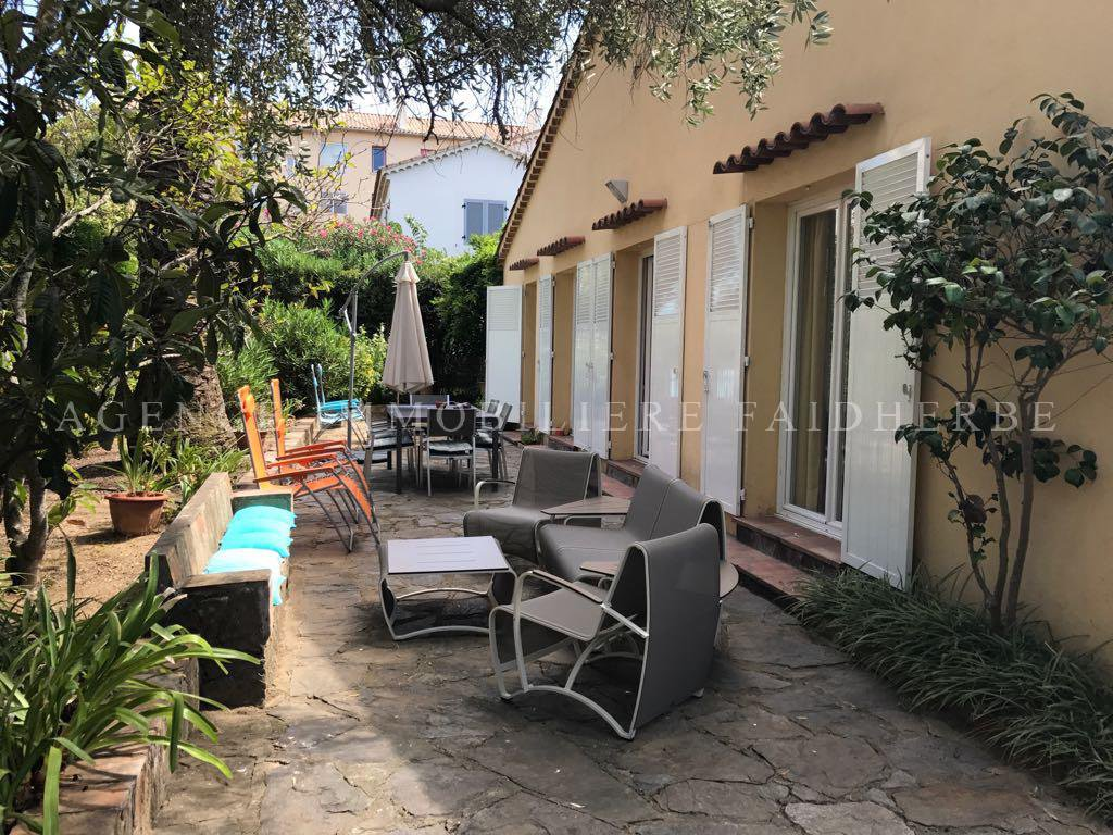 Few steps from Place des Lices, house with air-co