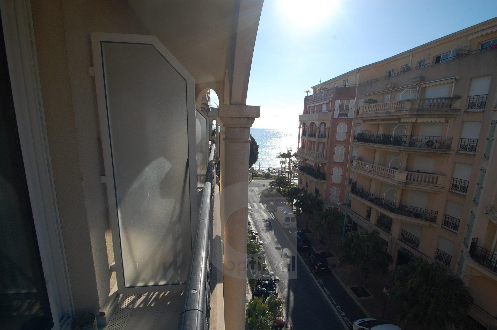 Beau 2P plein centre avec balconnet et parking privé