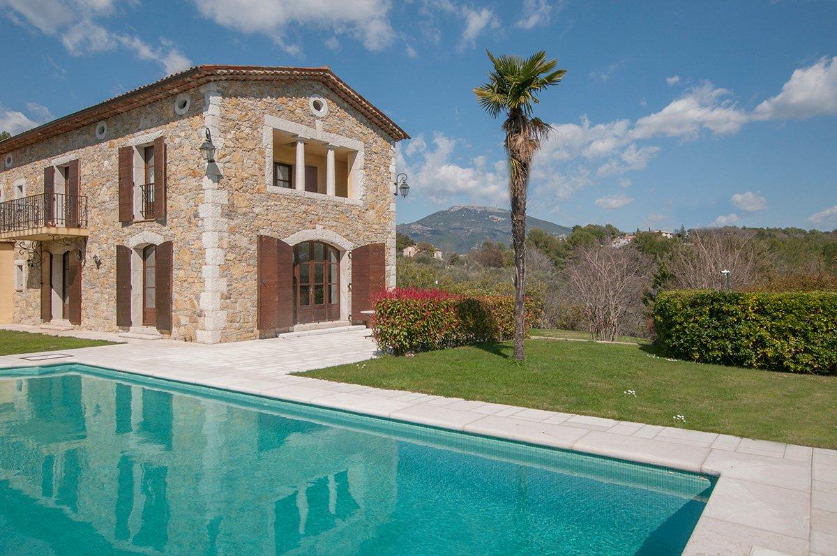 stone provençal house bastide