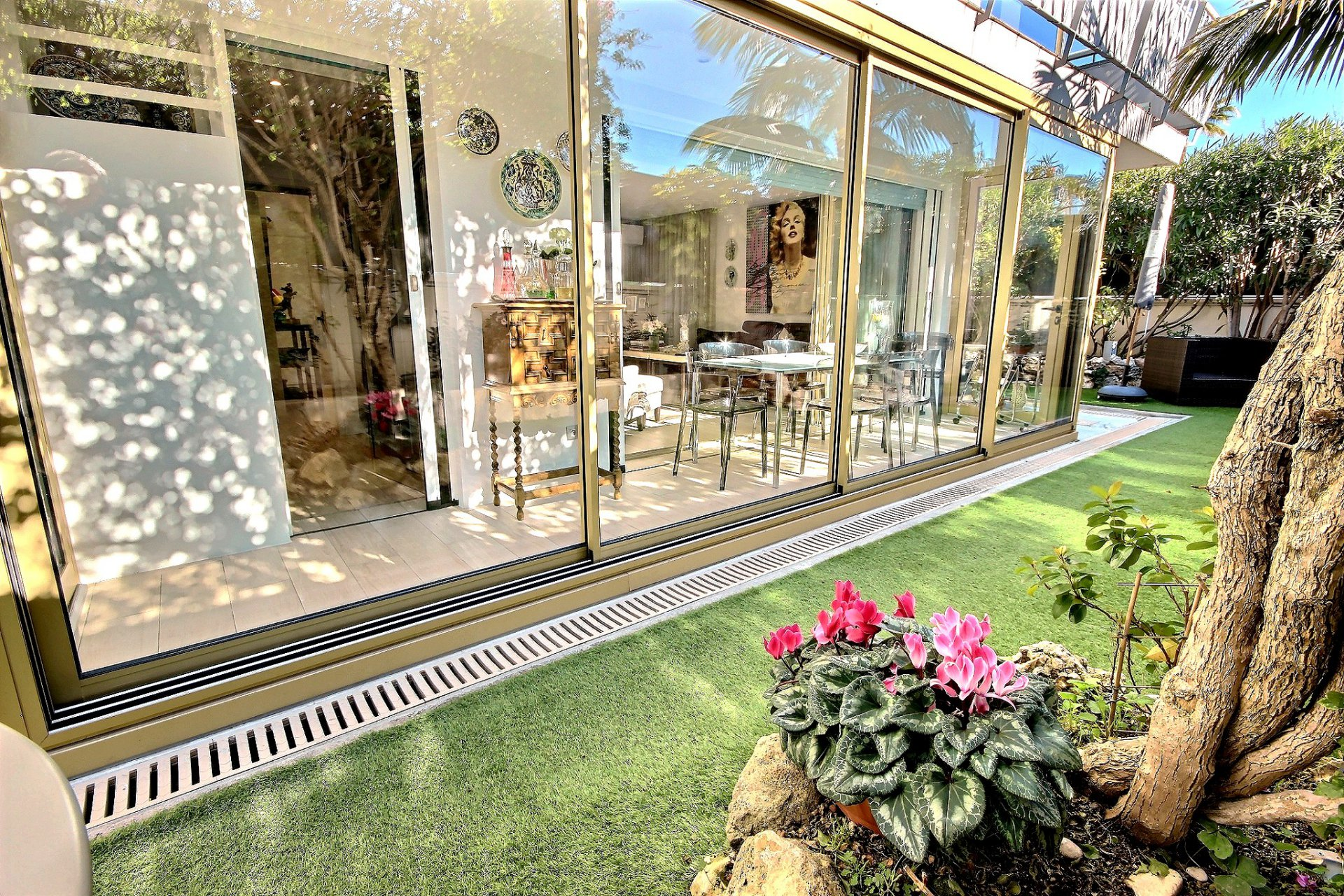 Cannes Palm Beach property for sale