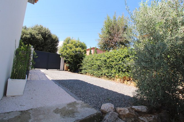 Mougins, Beautiful Contemporary house 4 bedrooms with swimming pool