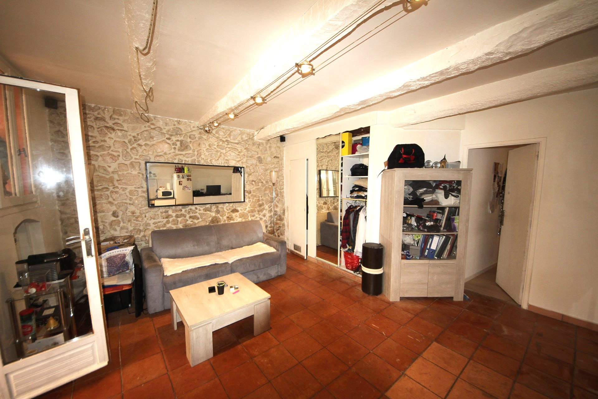 Le Cannes Mairie, Large 35sqm studio with extra bedroom