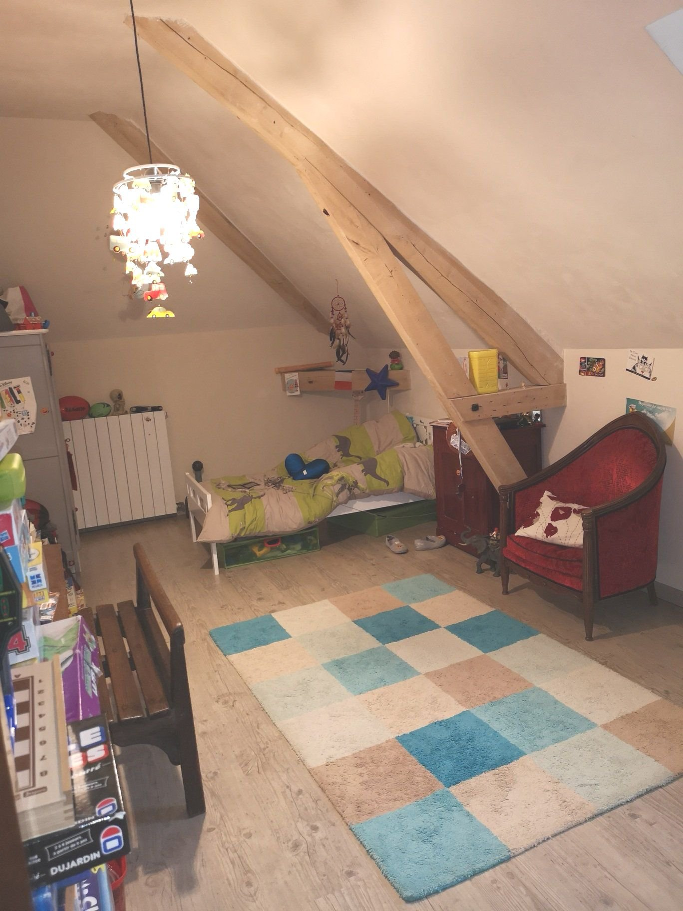 Hauteur sous plafond, lustre