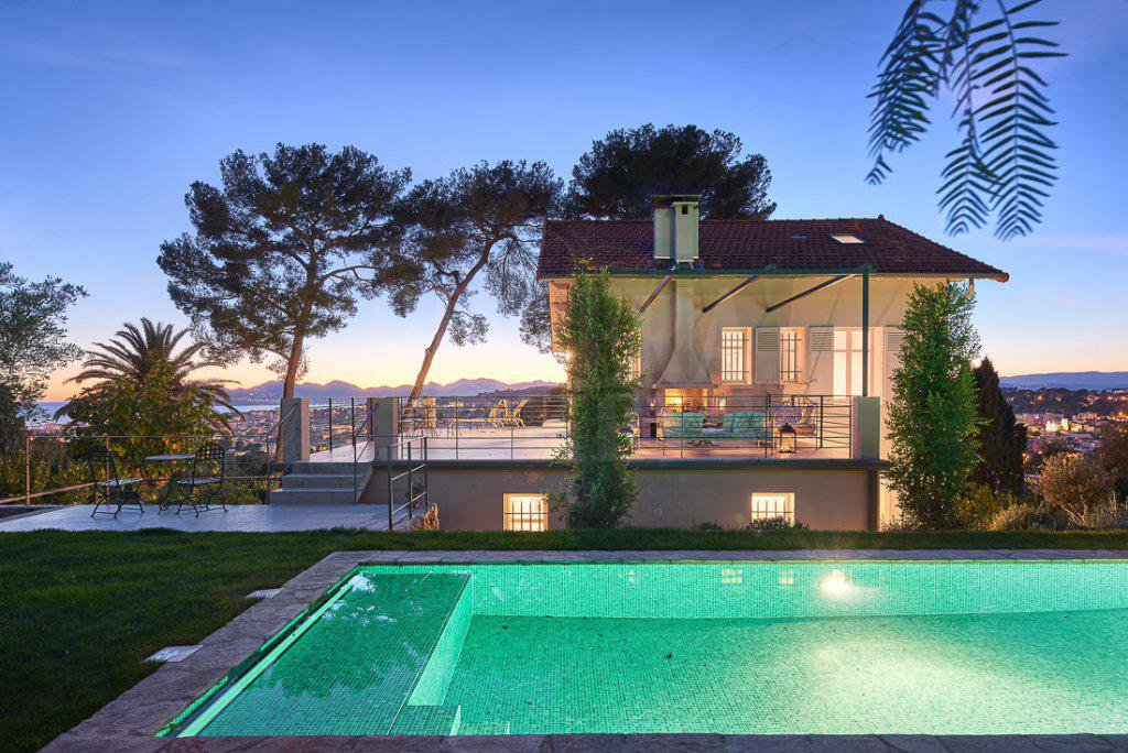 Unique style Villa, panoramic view of the Sea and the town, in Le Cannet