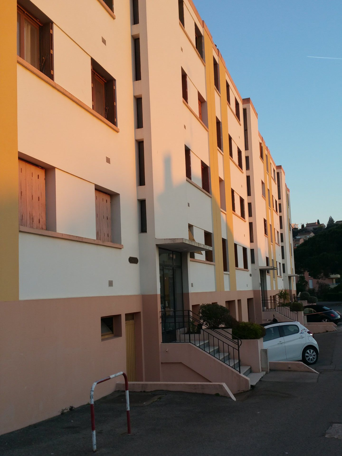 T3 IN St-Raphaël sold rent