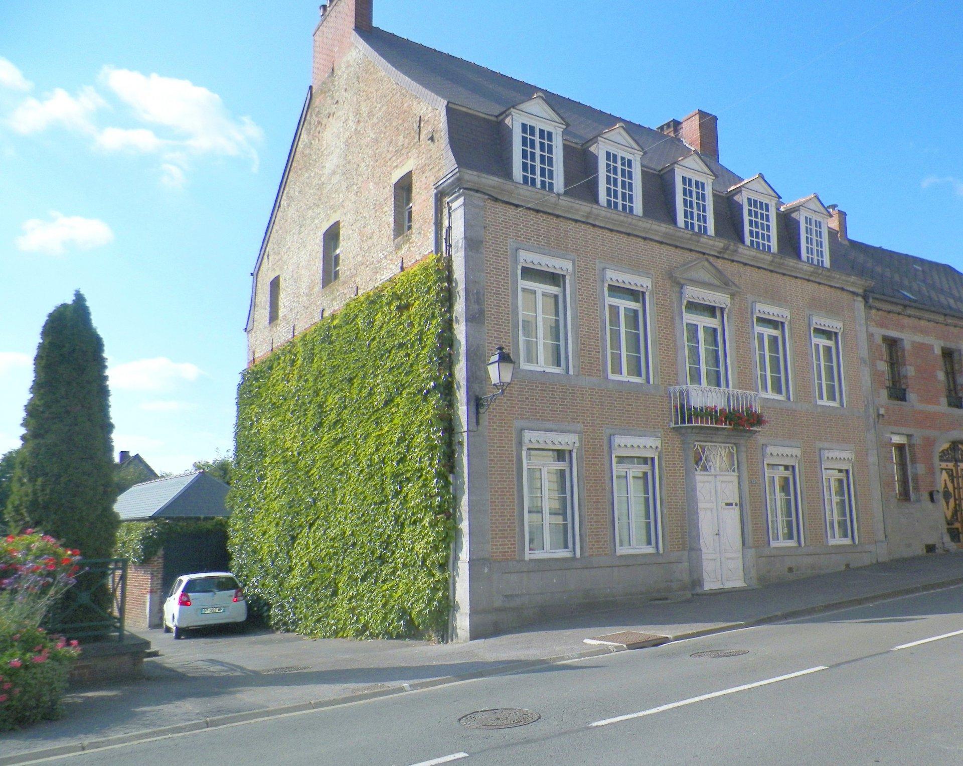 Sale House - Solre-le-Château