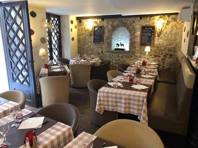 Fond de commerce restaurant Antibes rue piétonne