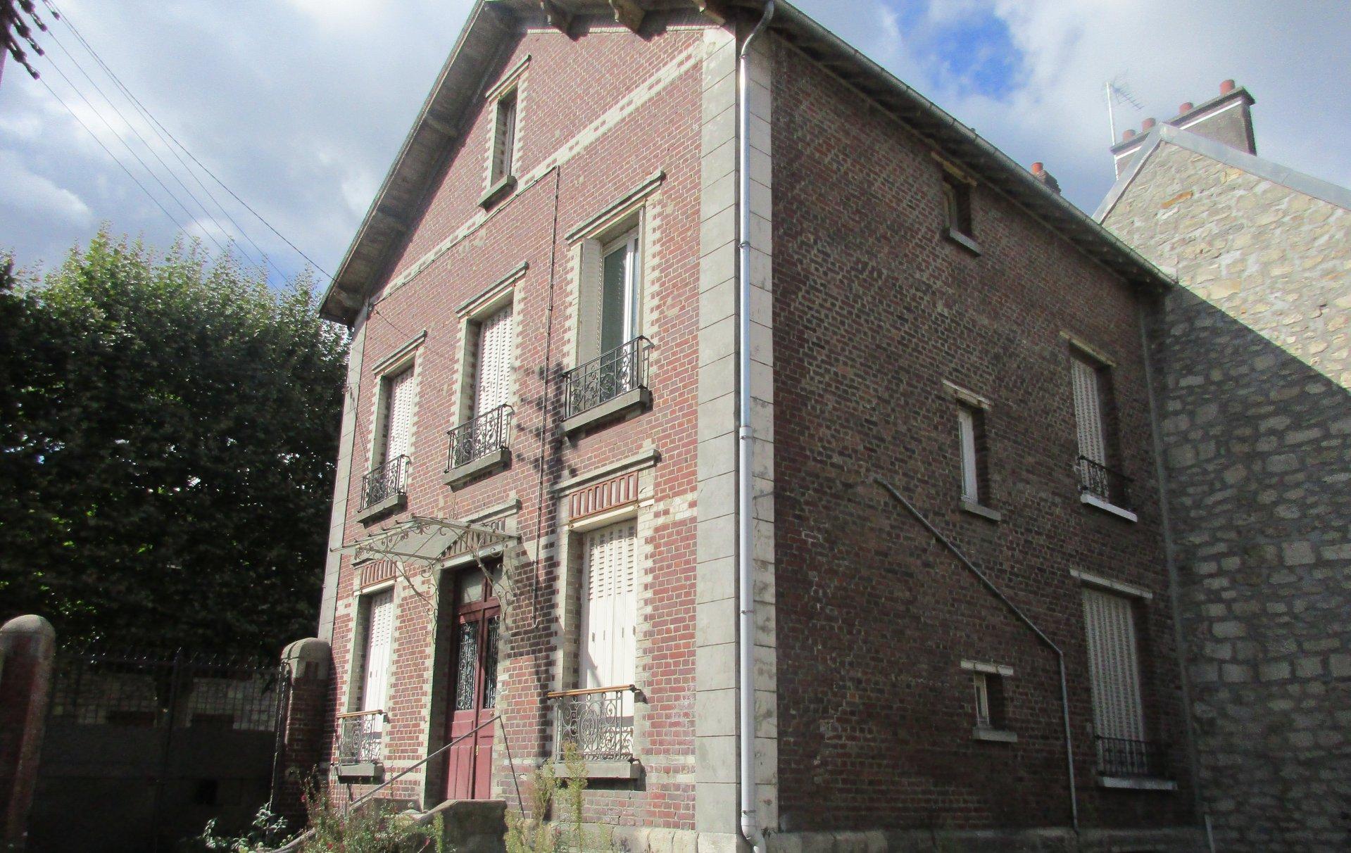 Maison - Creil - 260 000 € FAI