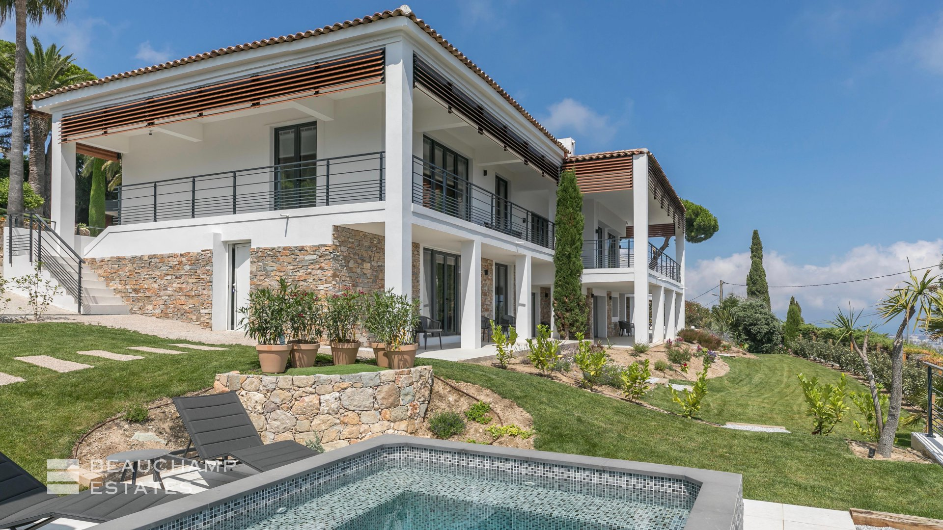 Modern 5 Bedroom Villa in Cannes Sea View