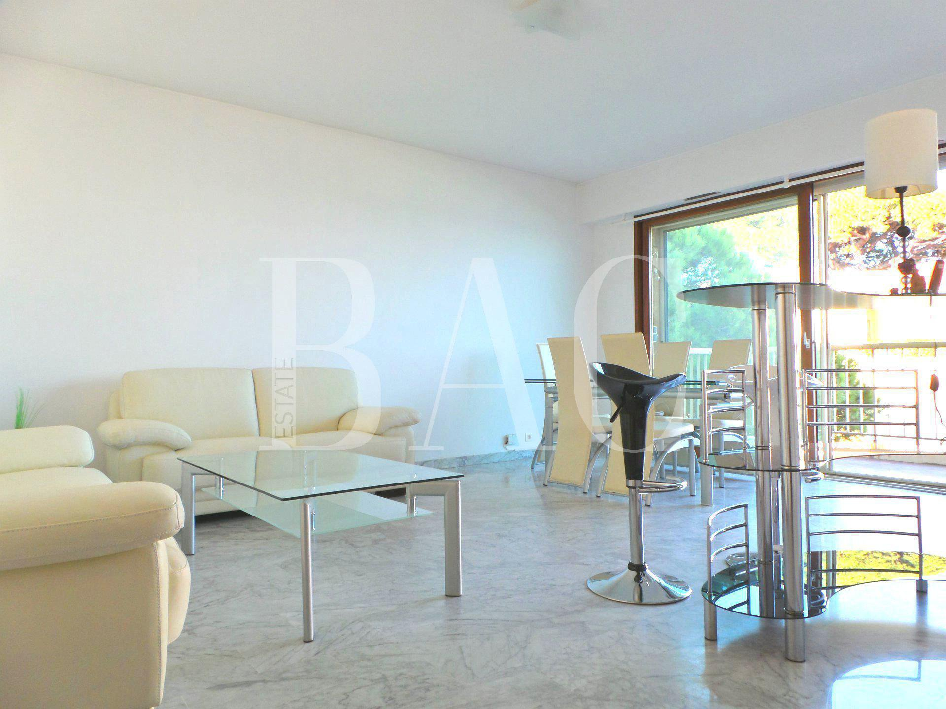 Appartement-Cannes-Palm-Beach-balcon-vue-mer