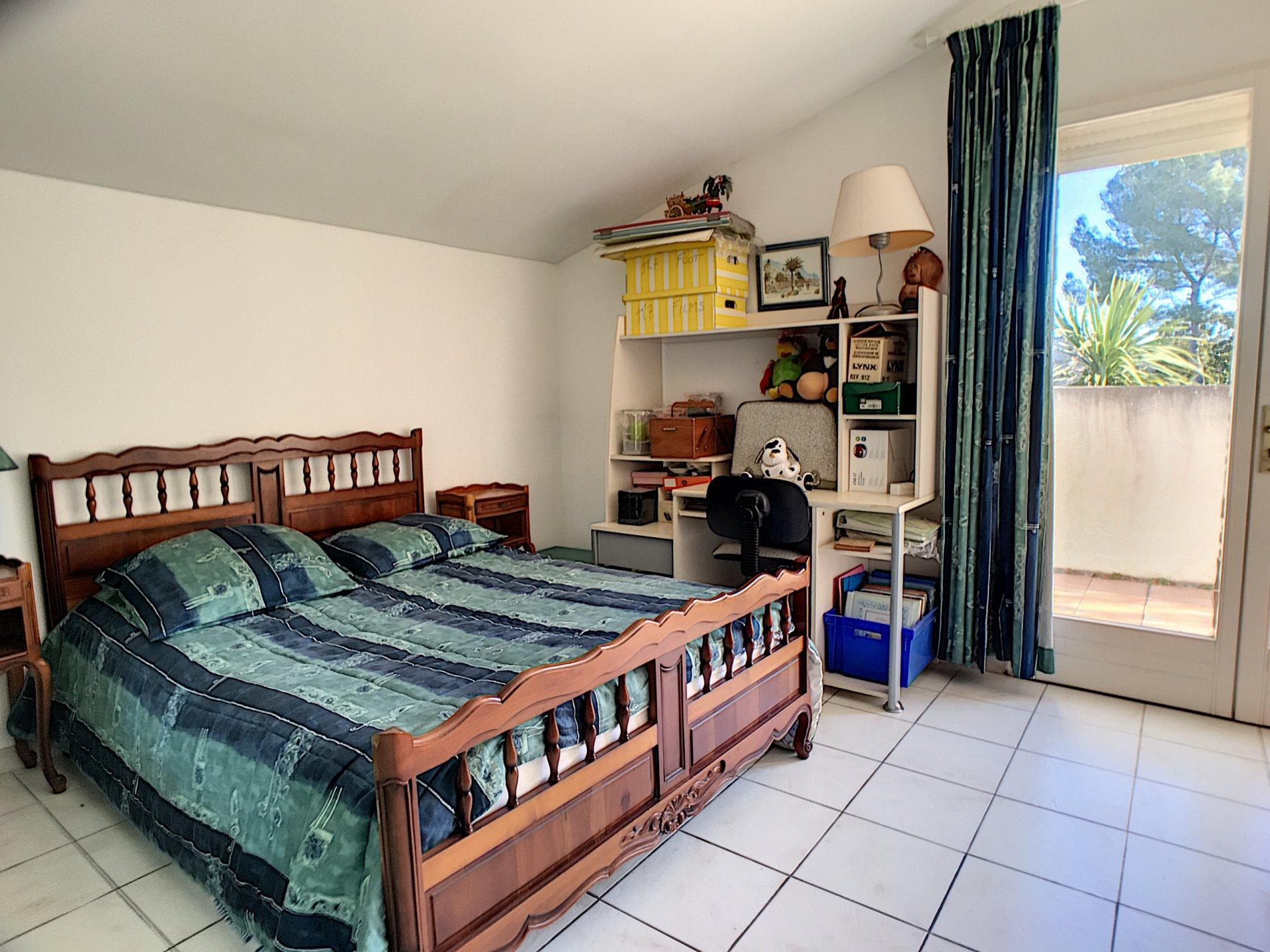 Villa 6 bedrooms in a quiet area