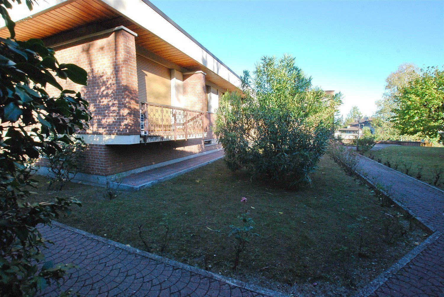 Ground floor rent apartment in the centre of Stresa-external of the real estate