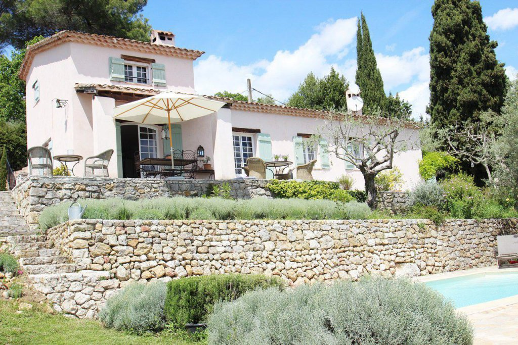 Charming villa with view - Montauroux
