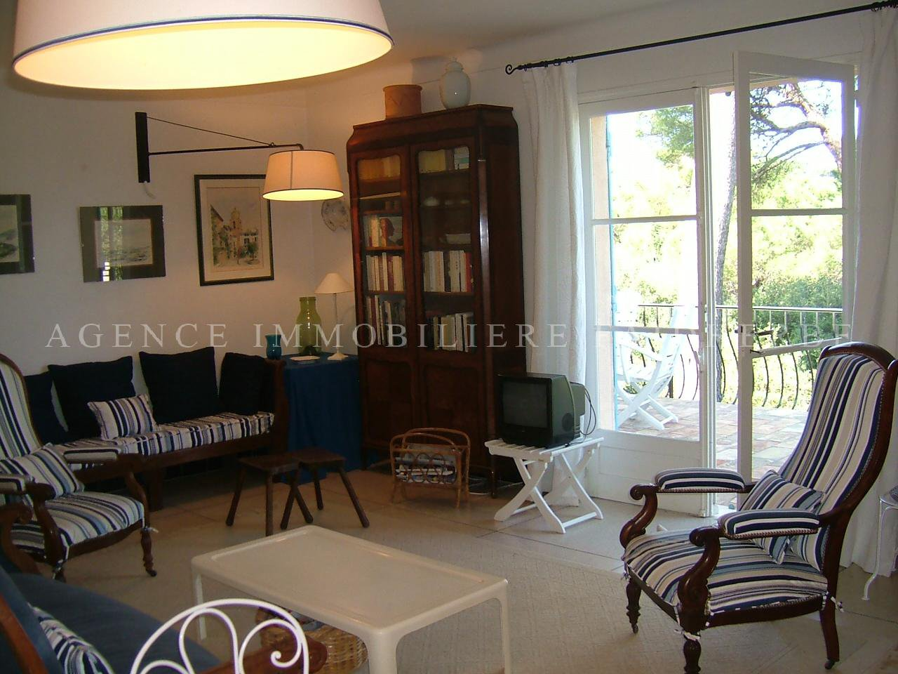 Area : Parc des Salins, sea view house