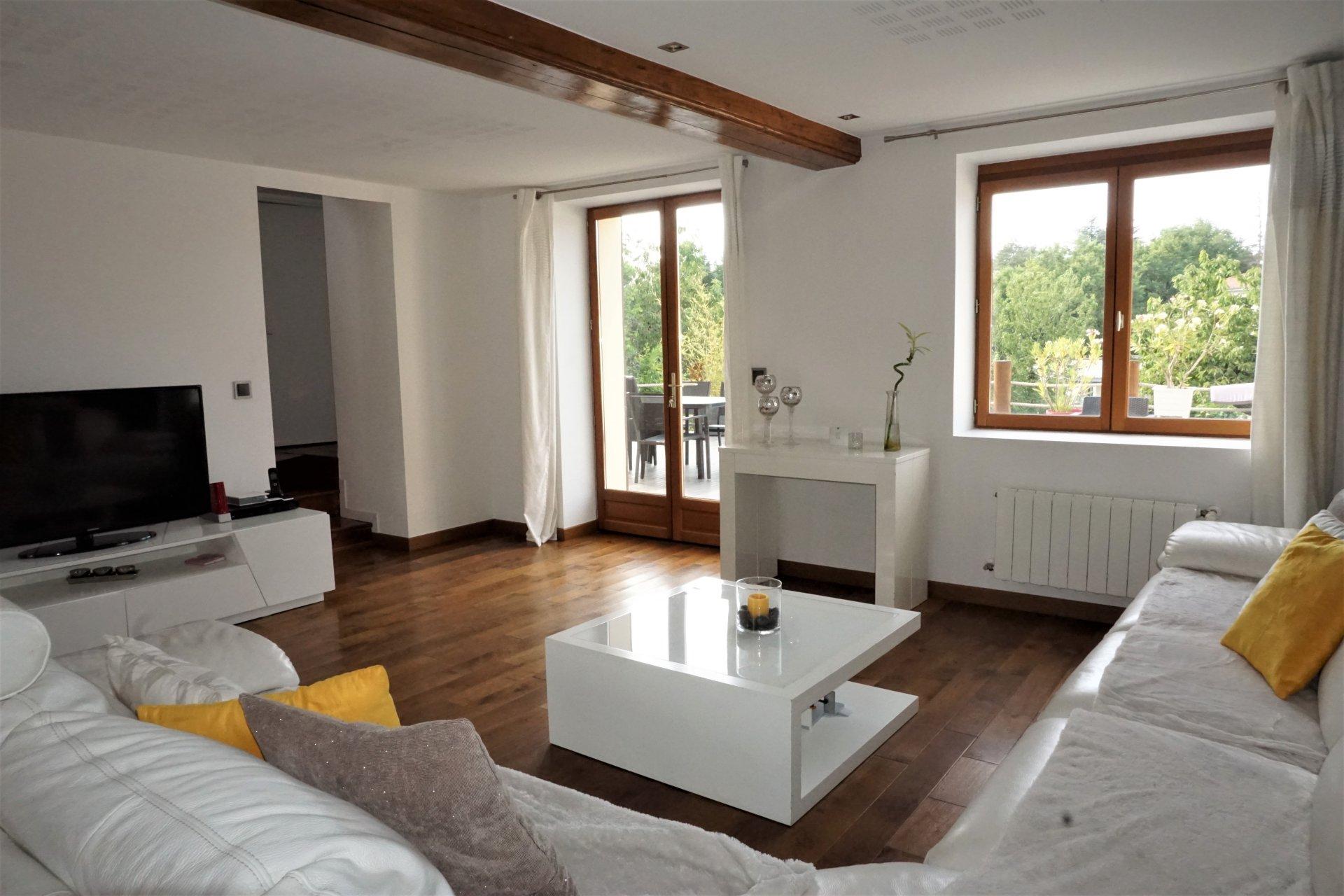 Belle maison rénovée à Limonest