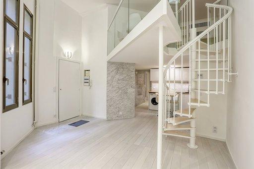 Montaigne luxueux appartement terrasse