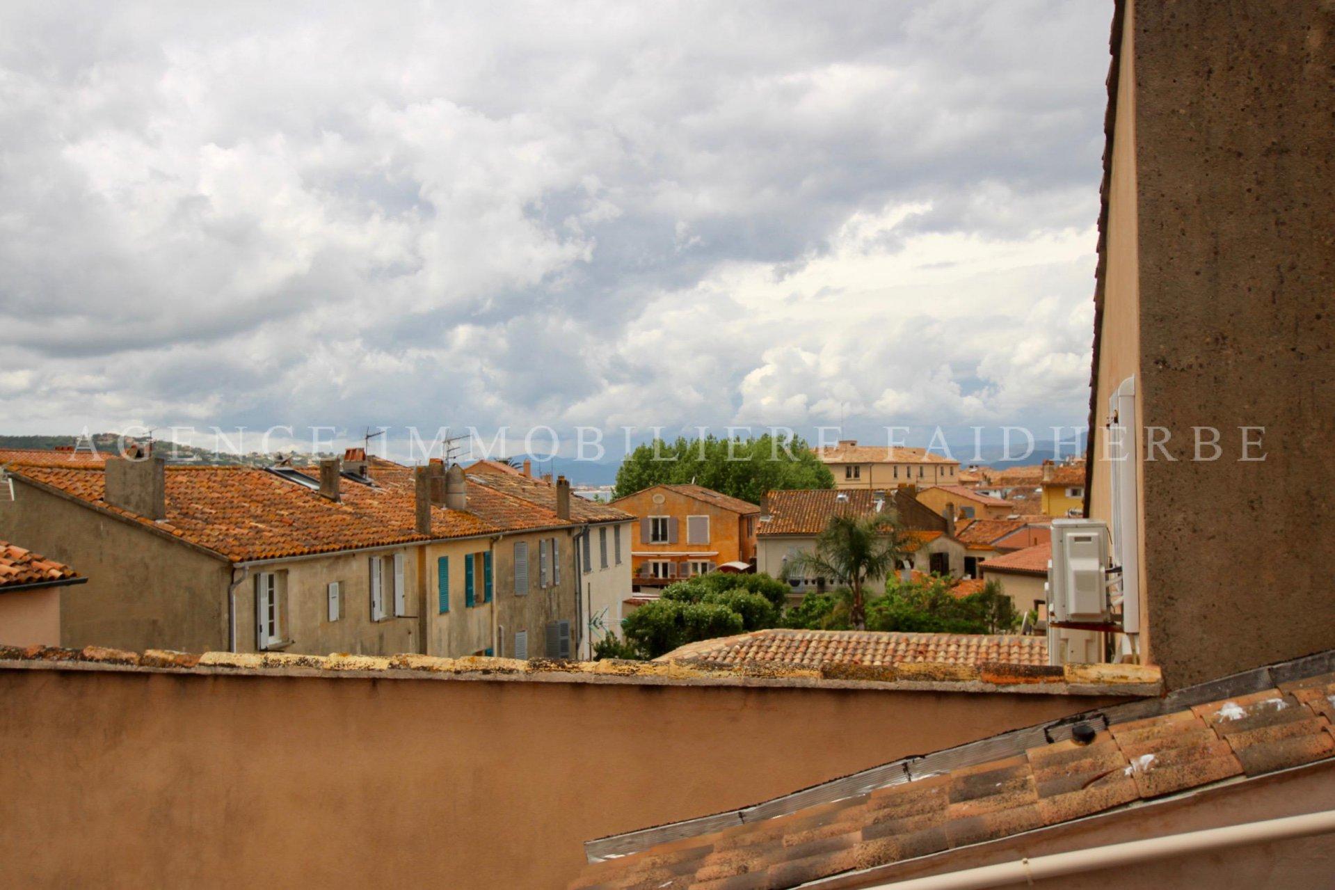 Rue Quaranta, maison de village rénovée