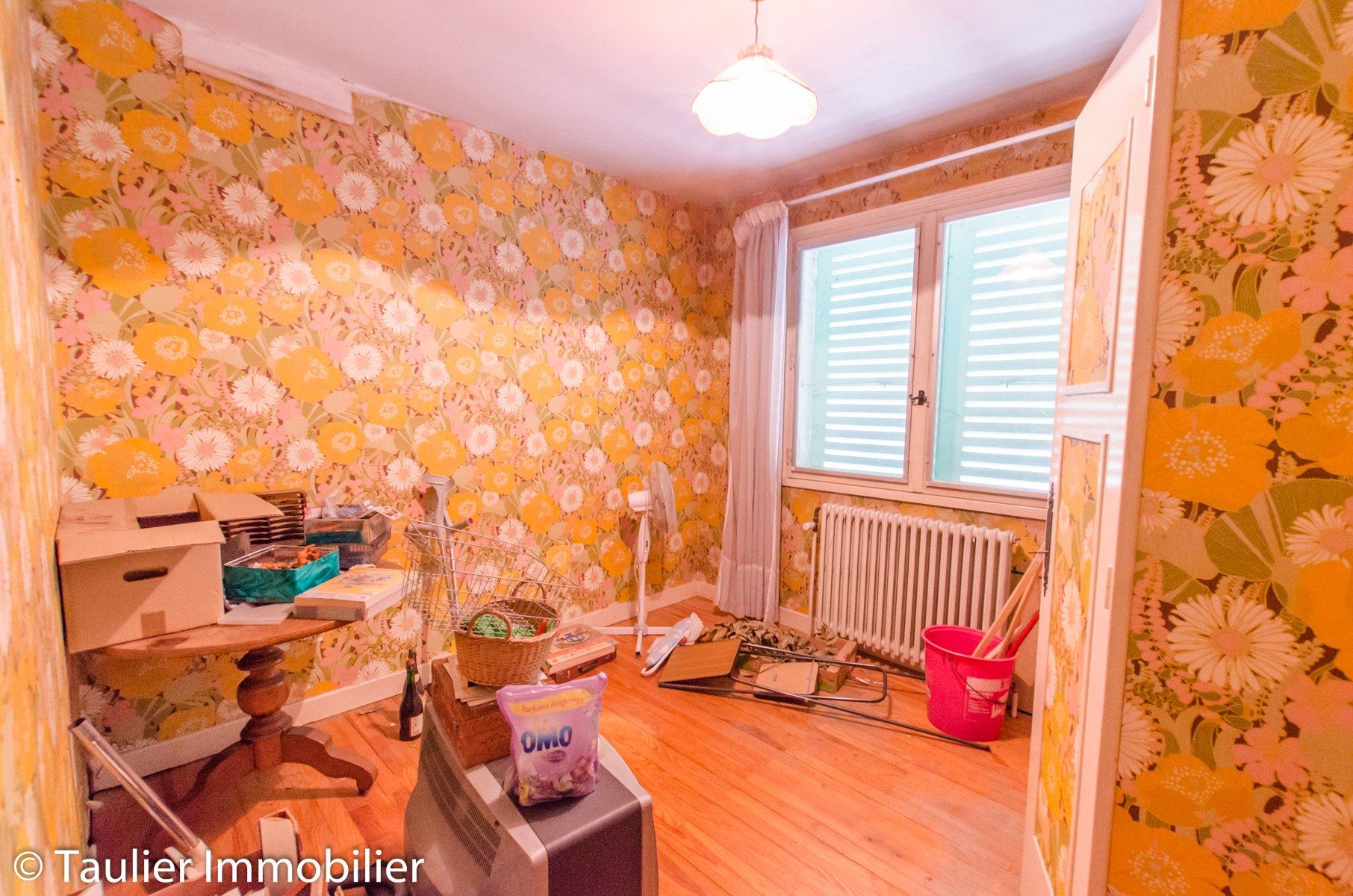 Maison à rénover, 6 chambres, jardin 1600m²