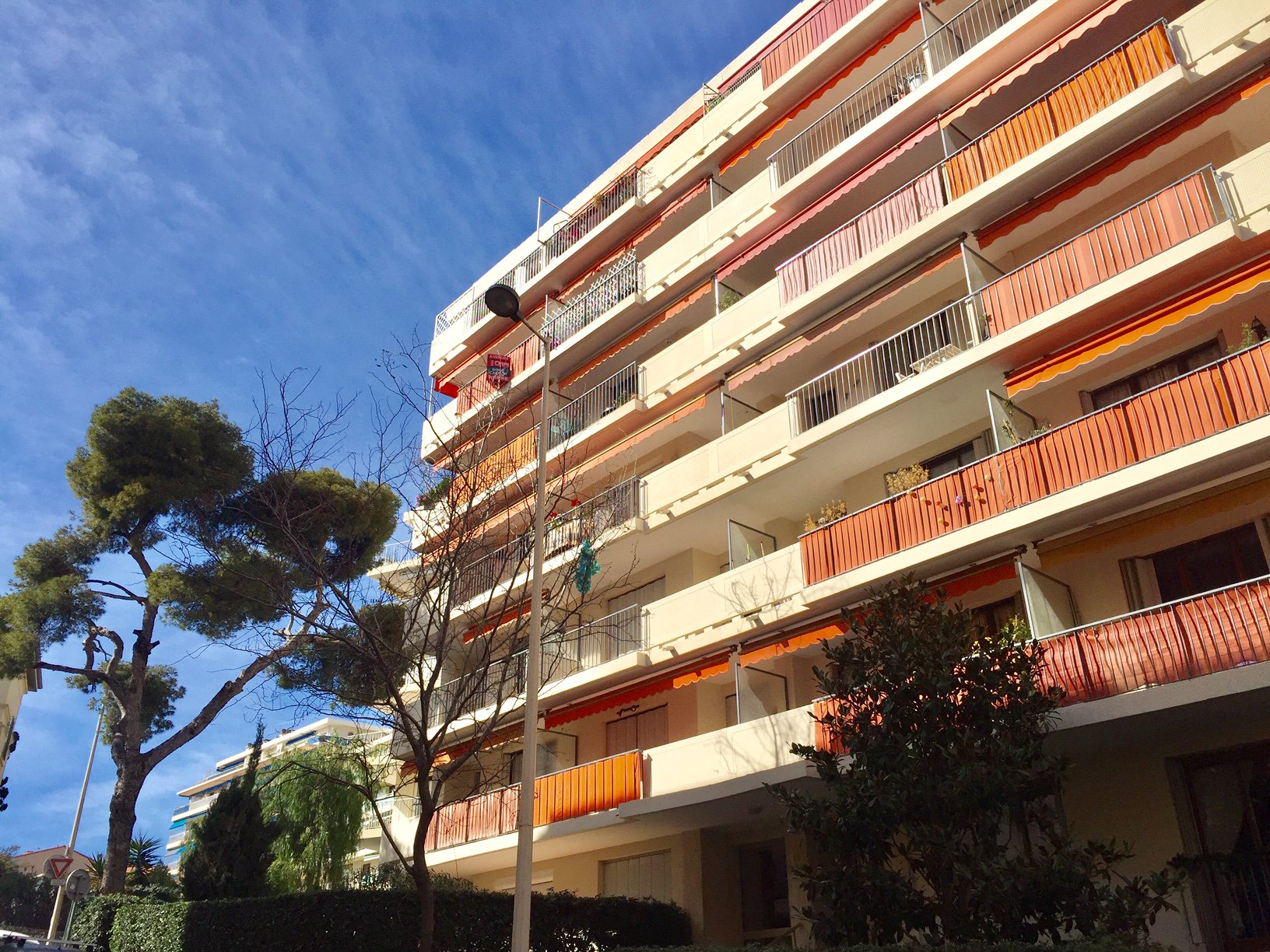 Cannes - 2 bedrooms flat with terrace and garage