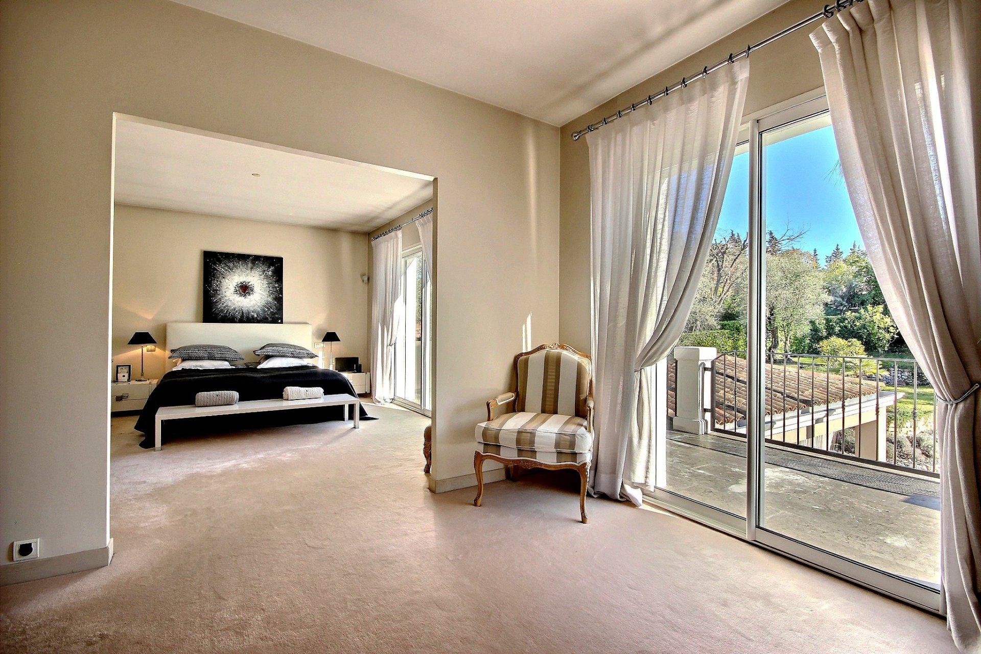 Luxury villa for sale in Mougins