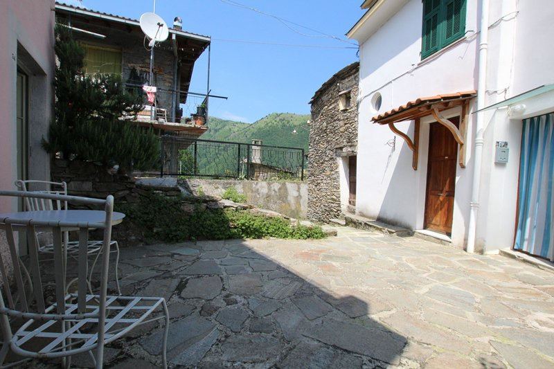 Sale Townhouse - Carpasio - Italy