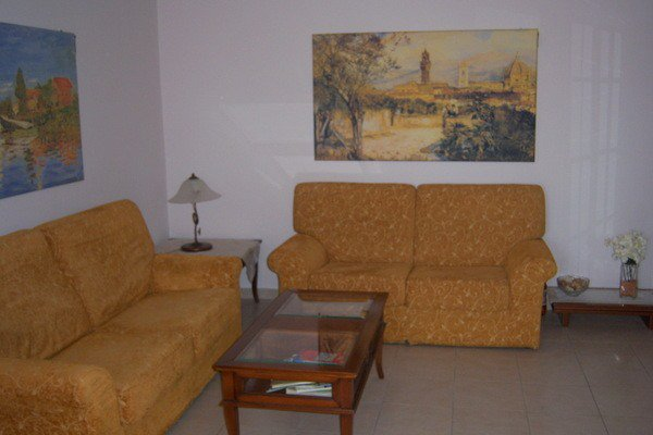 Fully furnished townhouse