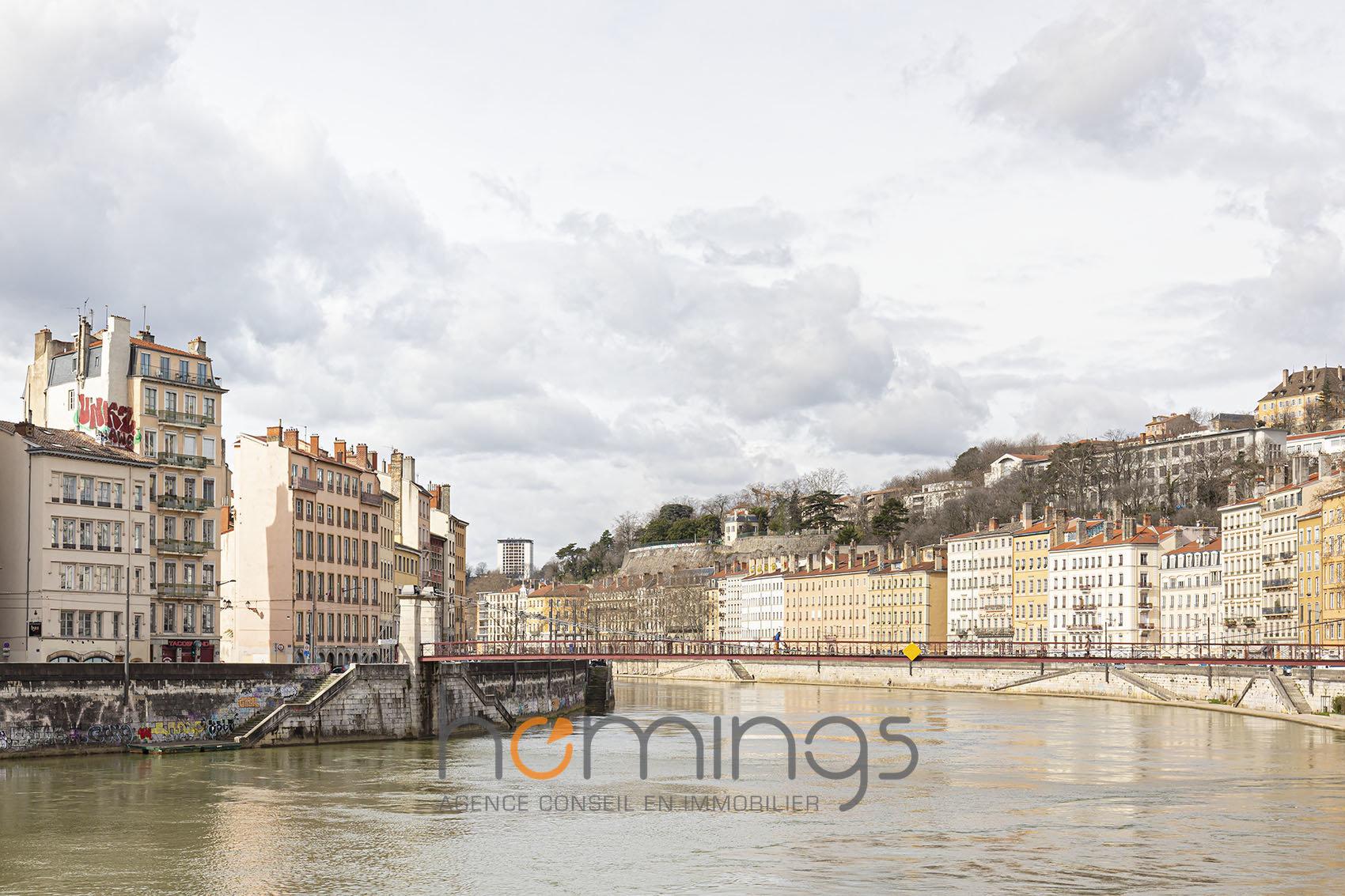 Loué par notre agence - T2 Meublé quai St Vincent