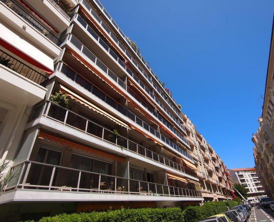 FÖRSÄLJNING Lägenhet 3 Rum Nice Musiciens Terrass Högst Upp